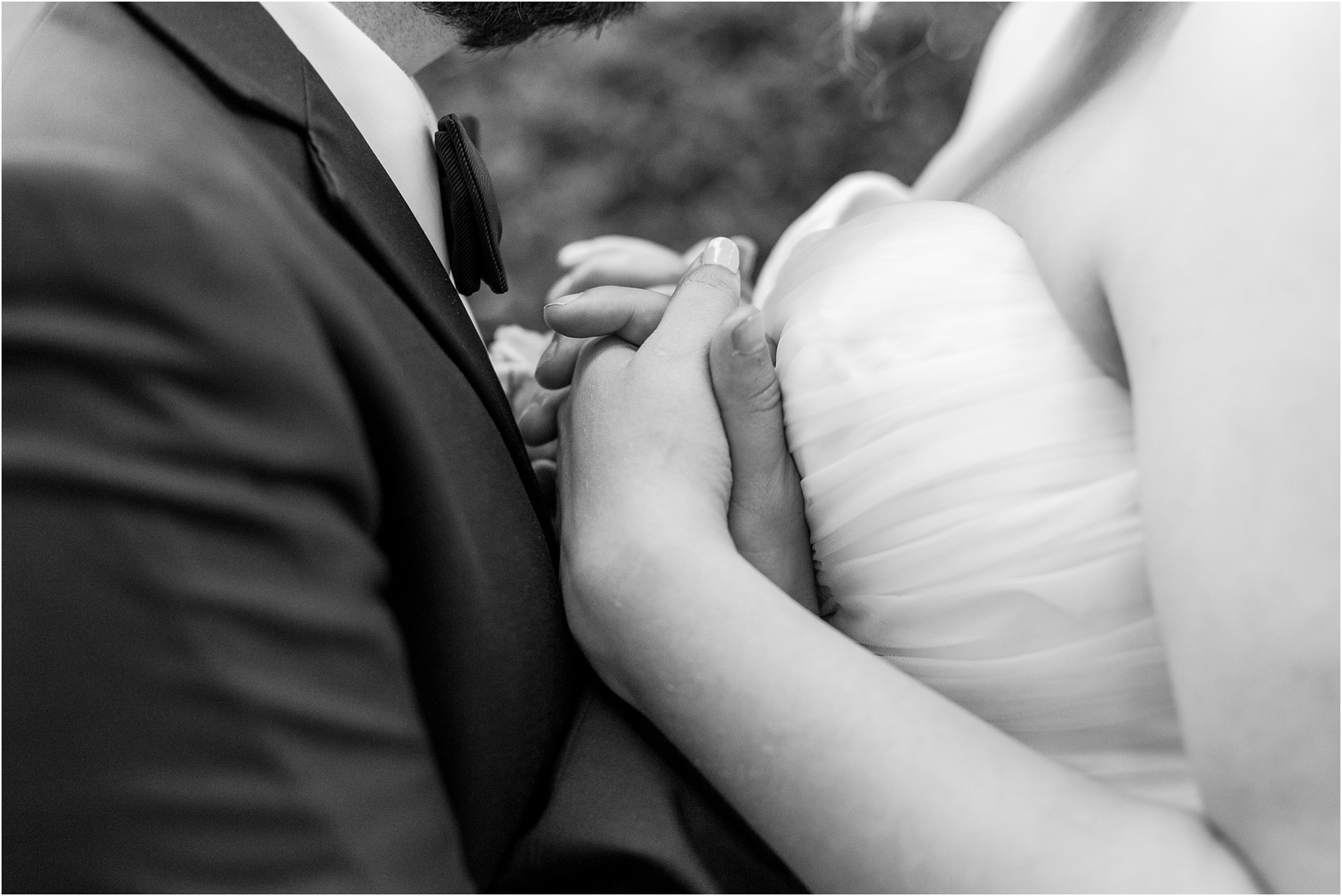 joyful-and-candid-navy-blush-wedding-photos-at-crystal-gardens-in-howell-mi-by-courtney-carolyn-photography_0097.jpg