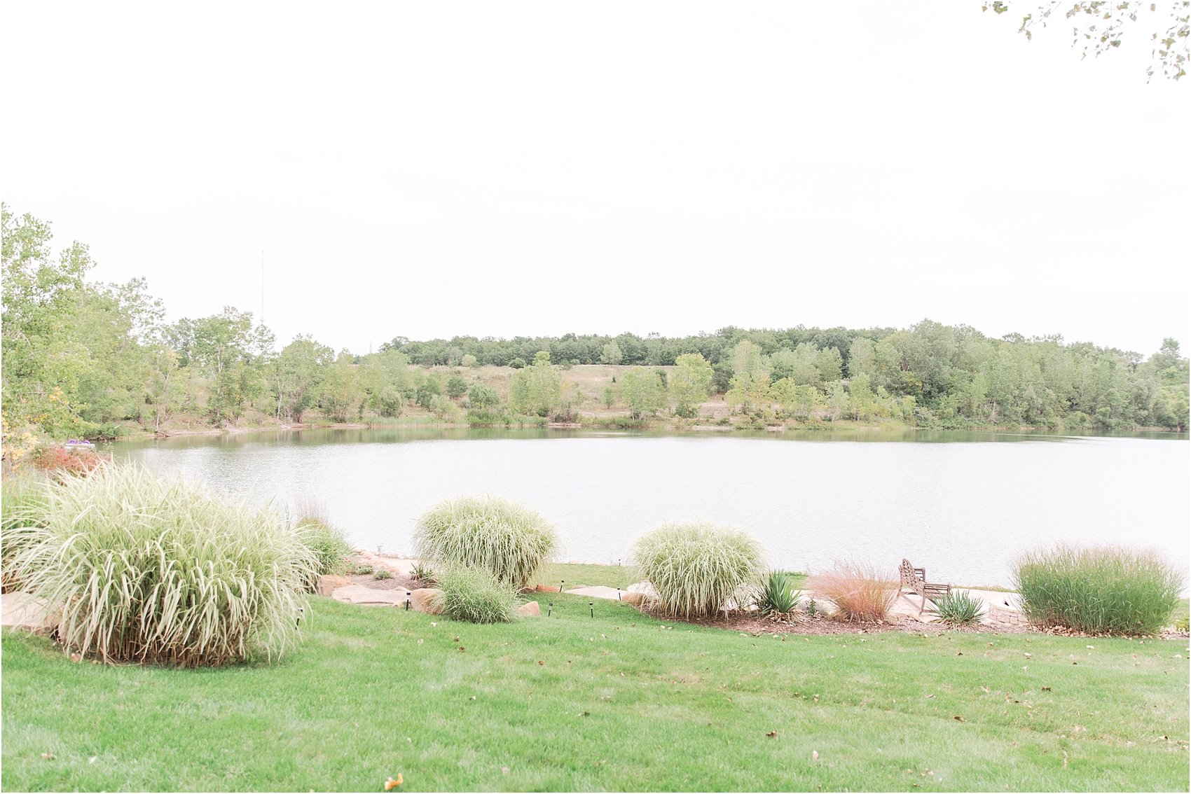 romantic-intimate-backyard-wedding-photos-at-private-estate-in-ann-arbor-mi-by-courtney-carolyn-photography_0021.jpg