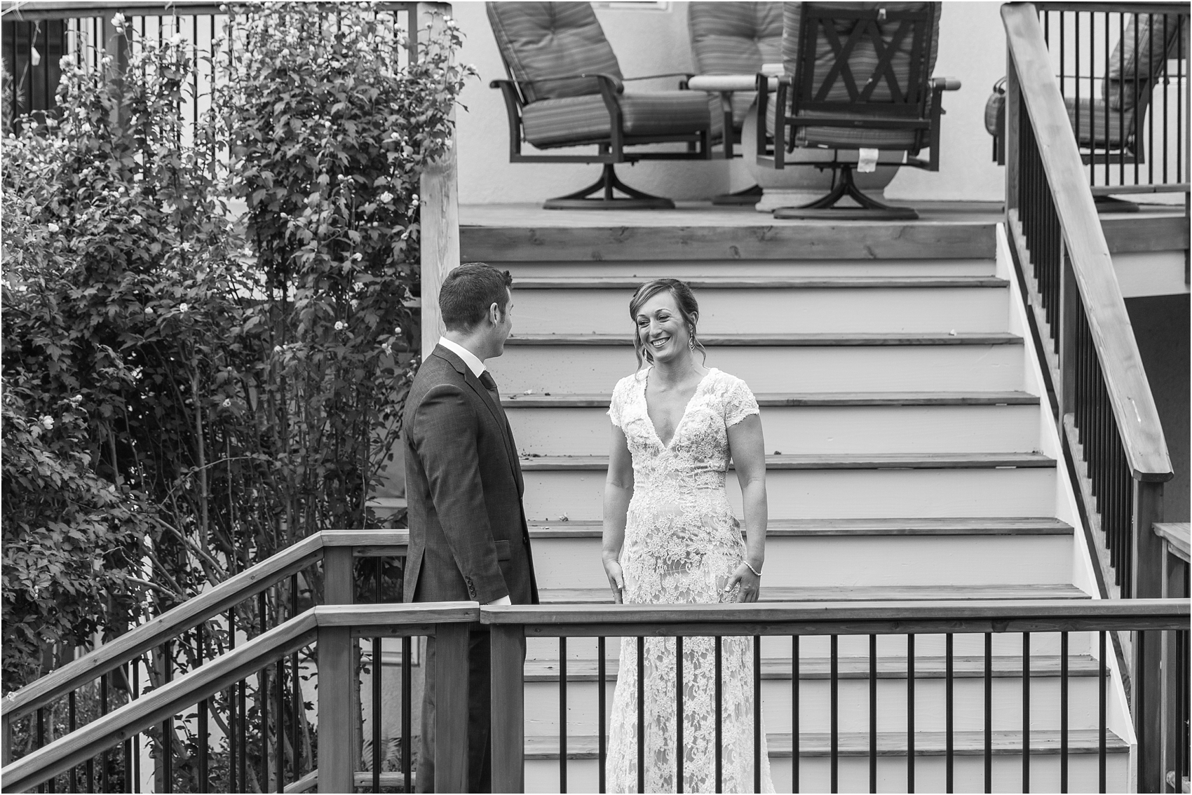 romantic-intimate-backyard-wedding-photos-at-private-estate-in-ann-arbor-mi-by-courtney-carolyn-photography_0024.jpg