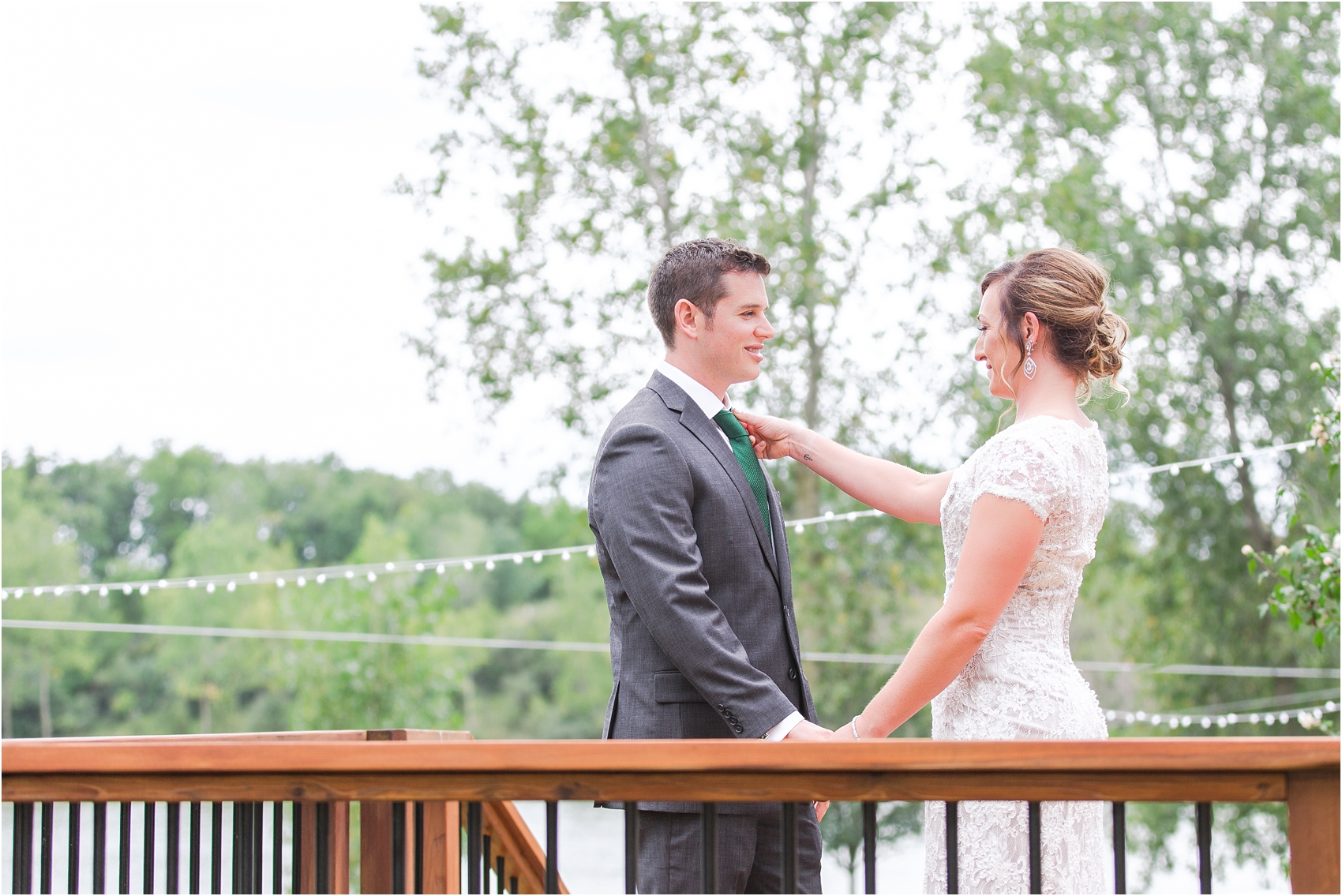 romantic-intimate-backyard-wedding-photos-at-private-estate-in-ann-arbor-mi-by-courtney-carolyn-photography_0026.jpg