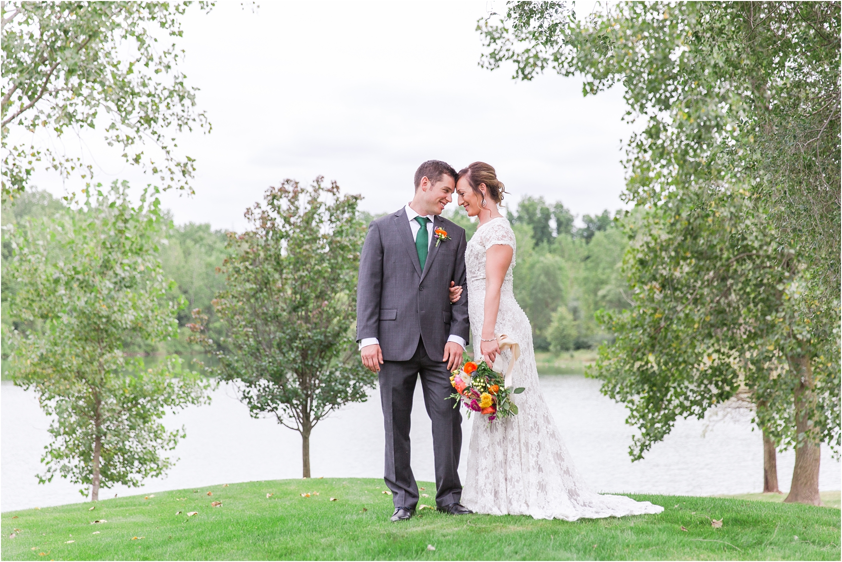 romantic-intimate-backyard-wedding-photos-at-private-estate-in-ann-arbor-mi-by-courtney-carolyn-photography_0037.jpg