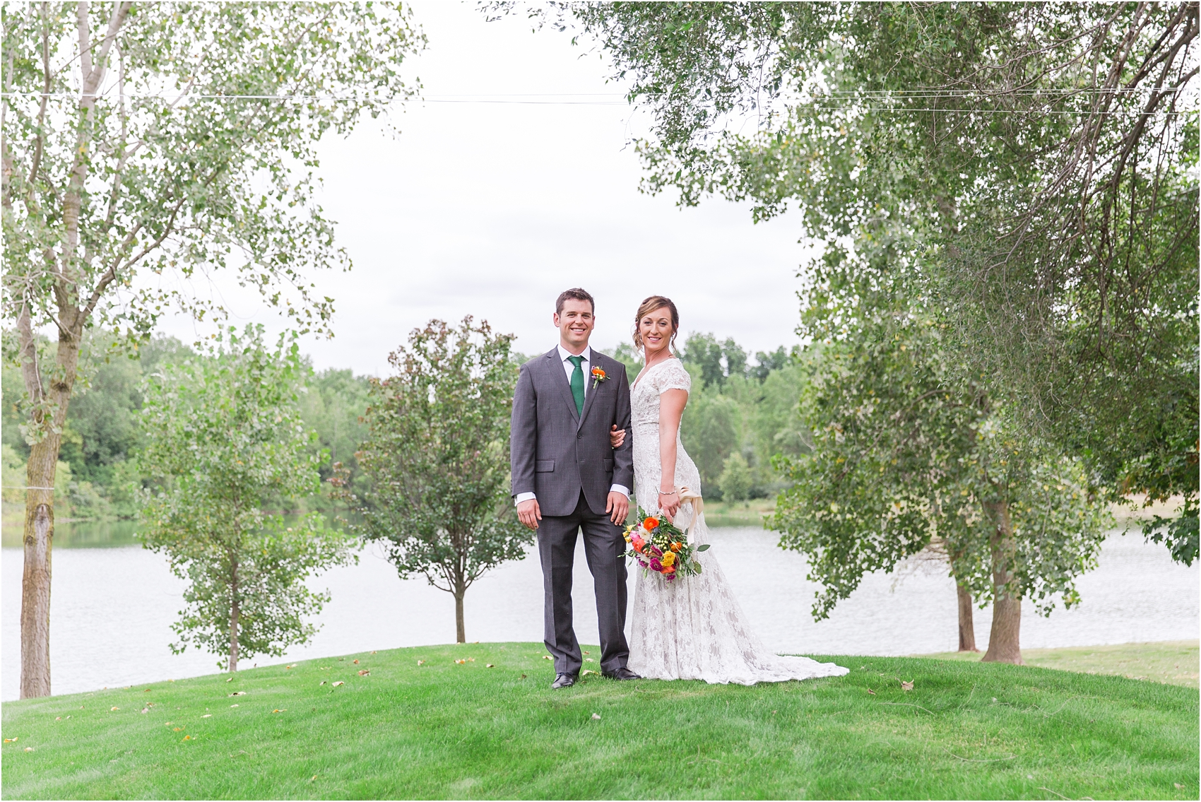 romantic-intimate-backyard-wedding-photos-at-private-estate-in-ann-arbor-mi-by-courtney-carolyn-photography_0056.jpg