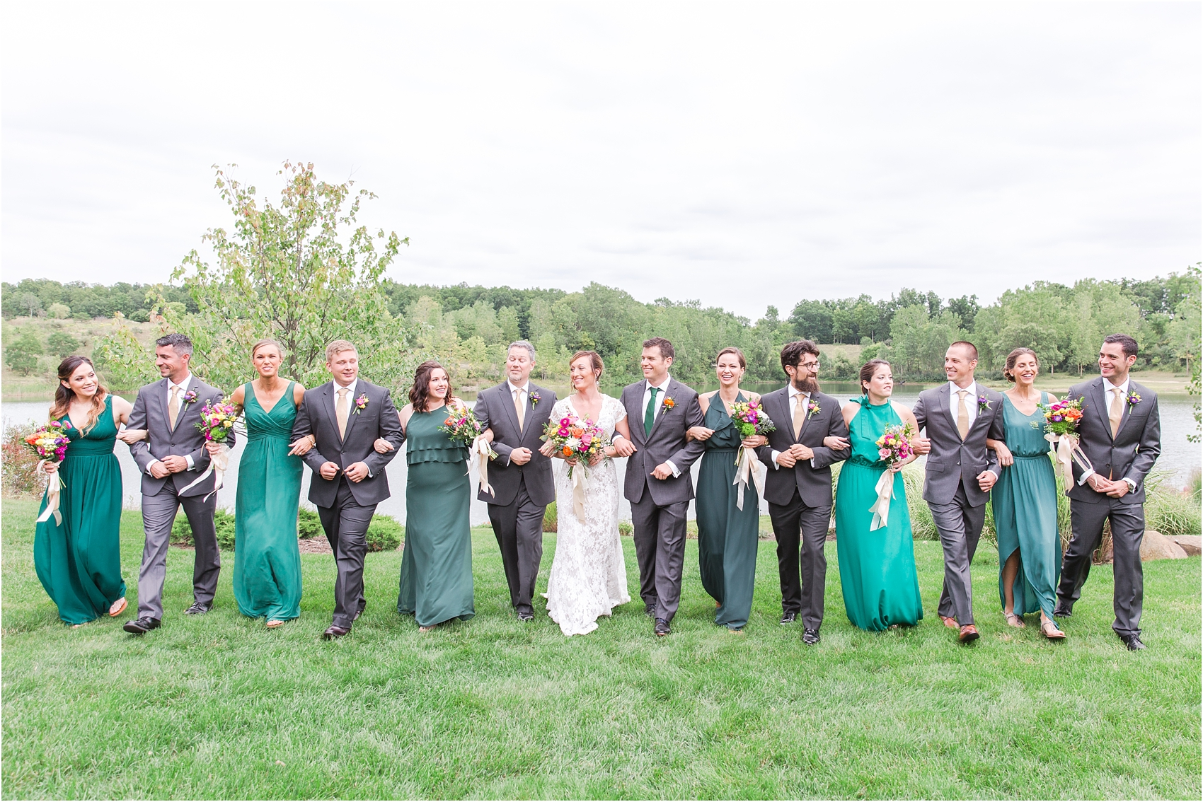 romantic-intimate-backyard-wedding-photos-at-private-estate-in-ann-arbor-mi-by-courtney-carolyn-photography_0061.jpg