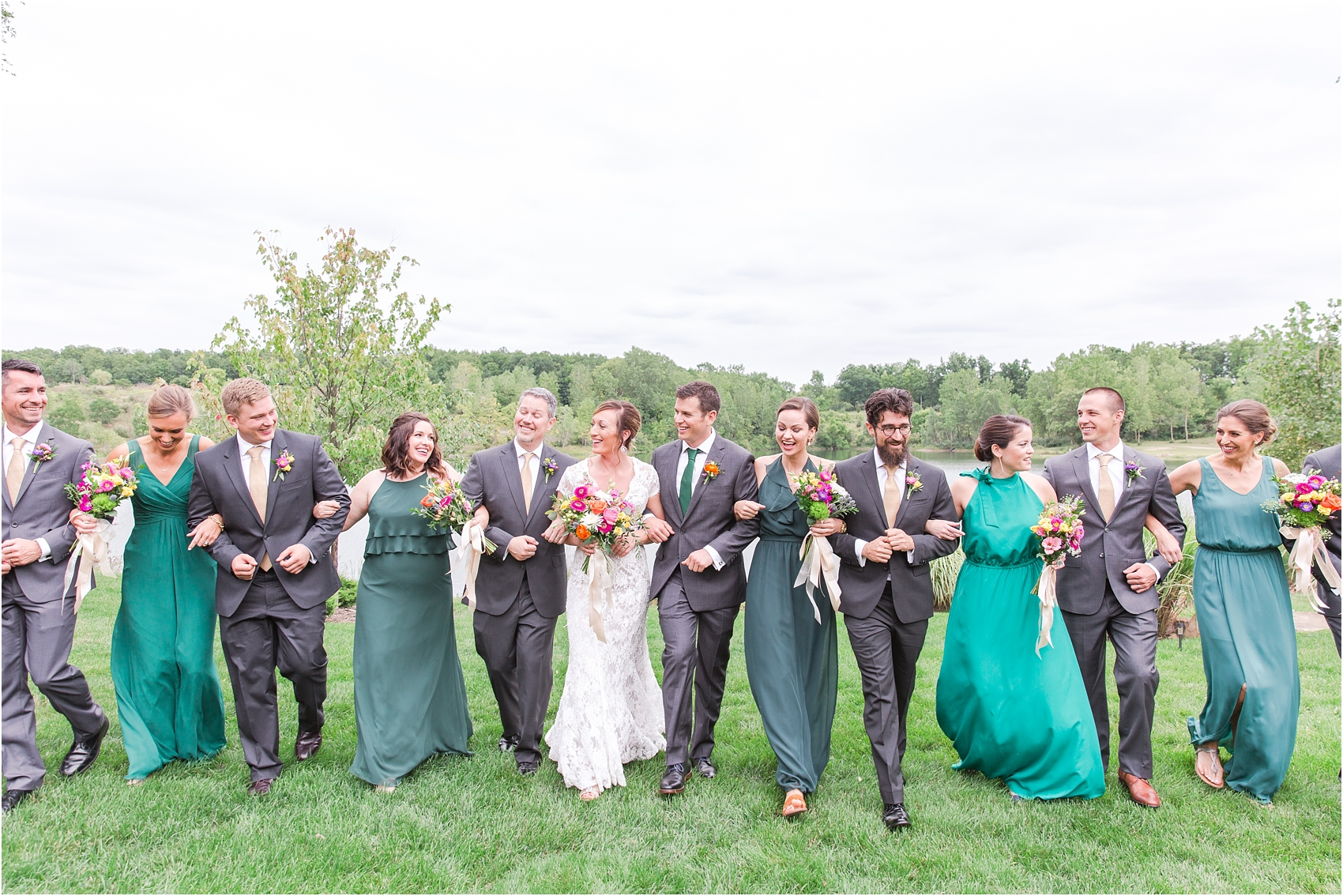 romantic-intimate-backyard-wedding-photos-at-private-estate-in-ann-arbor-mi-by-courtney-carolyn-photography_0068.jpg