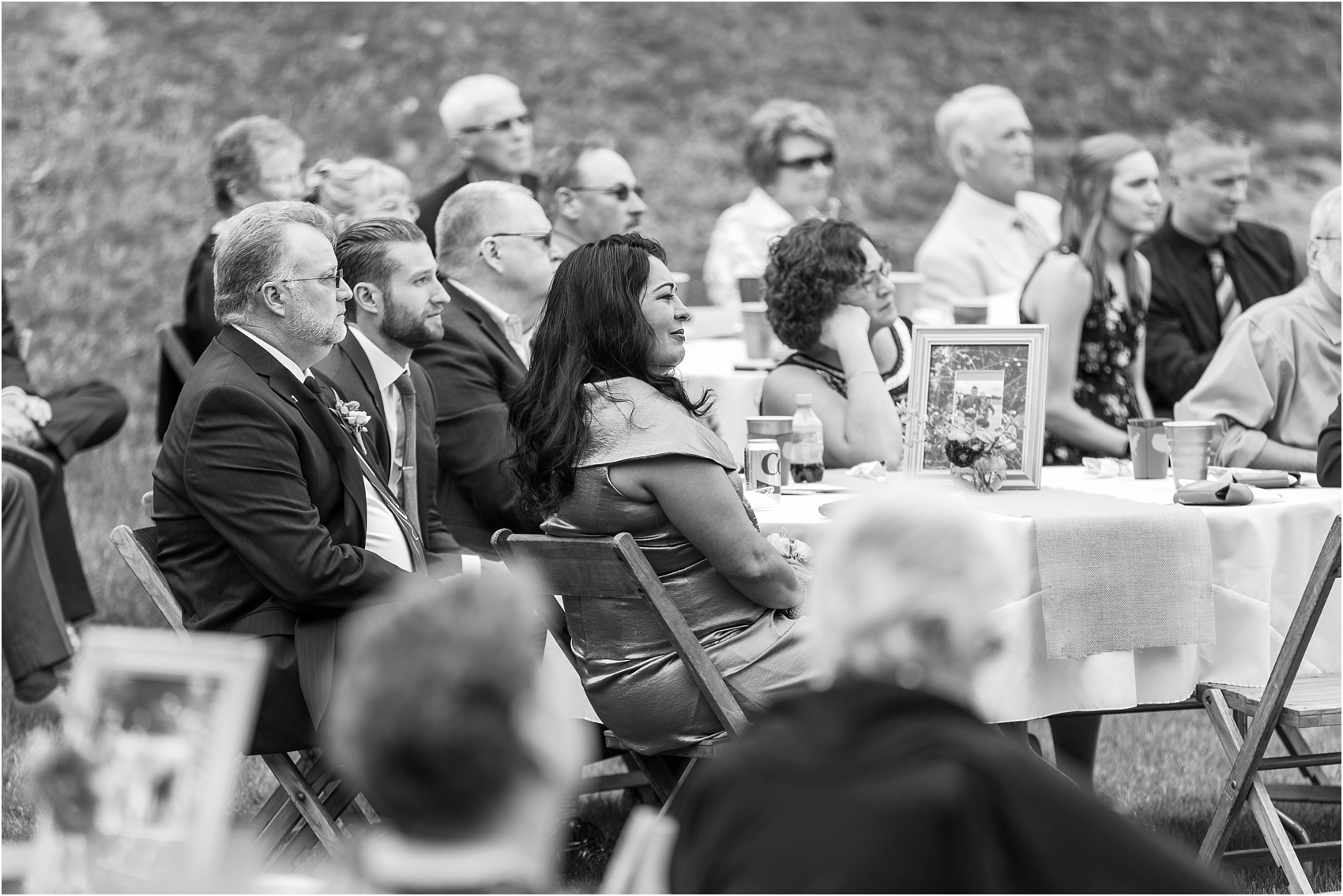romantic-intimate-backyard-wedding-photos-at-private-estate-in-ann-arbor-mi-by-courtney-carolyn-photography_0096.jpg