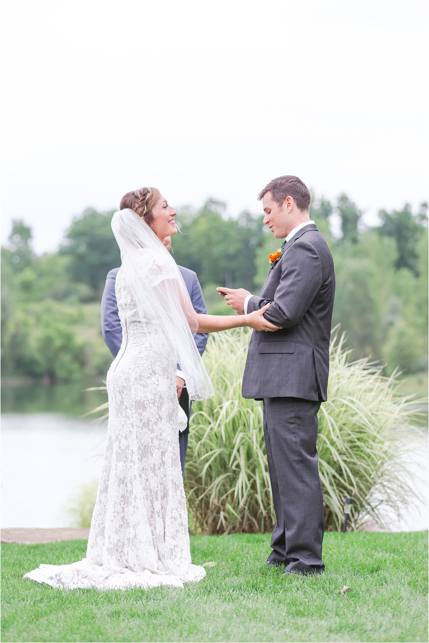 romantic-intimate-backyard-wedding-photos-at-private-estate-in-ann-arbor-mi-by-courtney-carolyn-photography_0105.jpg