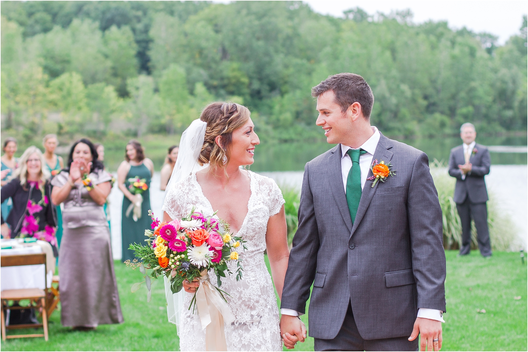 romantic-intimate-backyard-wedding-photos-at-private-estate-in-ann-arbor-mi-by-courtney-carolyn-photography_0112.jpg