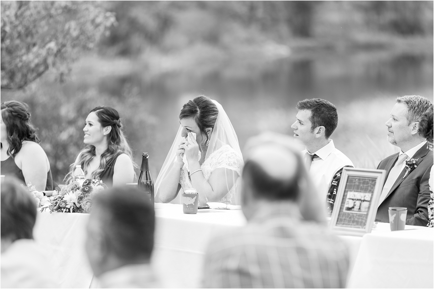 romantic-intimate-backyard-wedding-photos-at-private-estate-in-ann-arbor-mi-by-courtney-carolyn-photography_0133.jpg