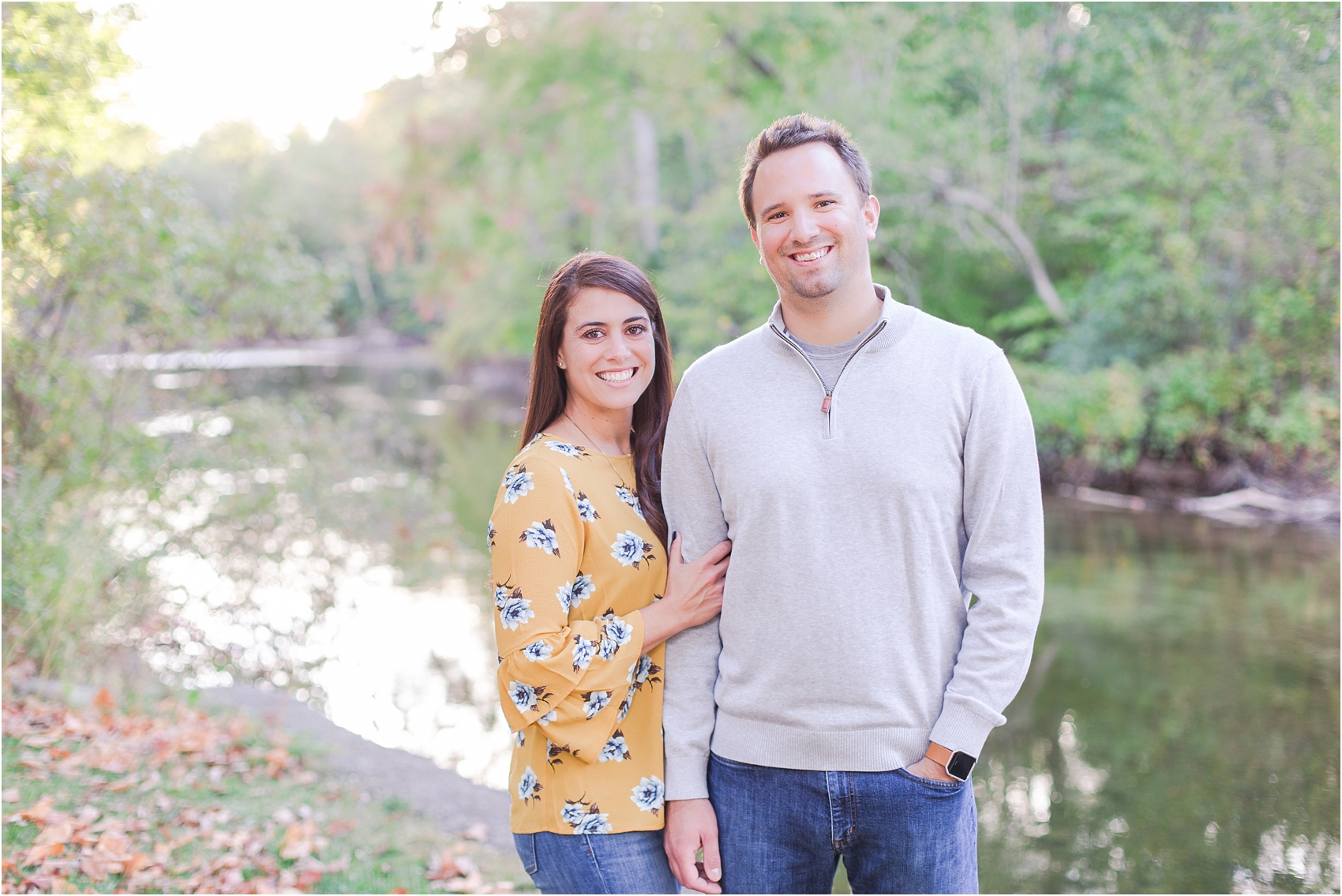 relaxed-autumn-engagement-photos-at-hudson-mills-metropark-in-dexter-mi-by-courtney-carolyn-photography_0033.jpg