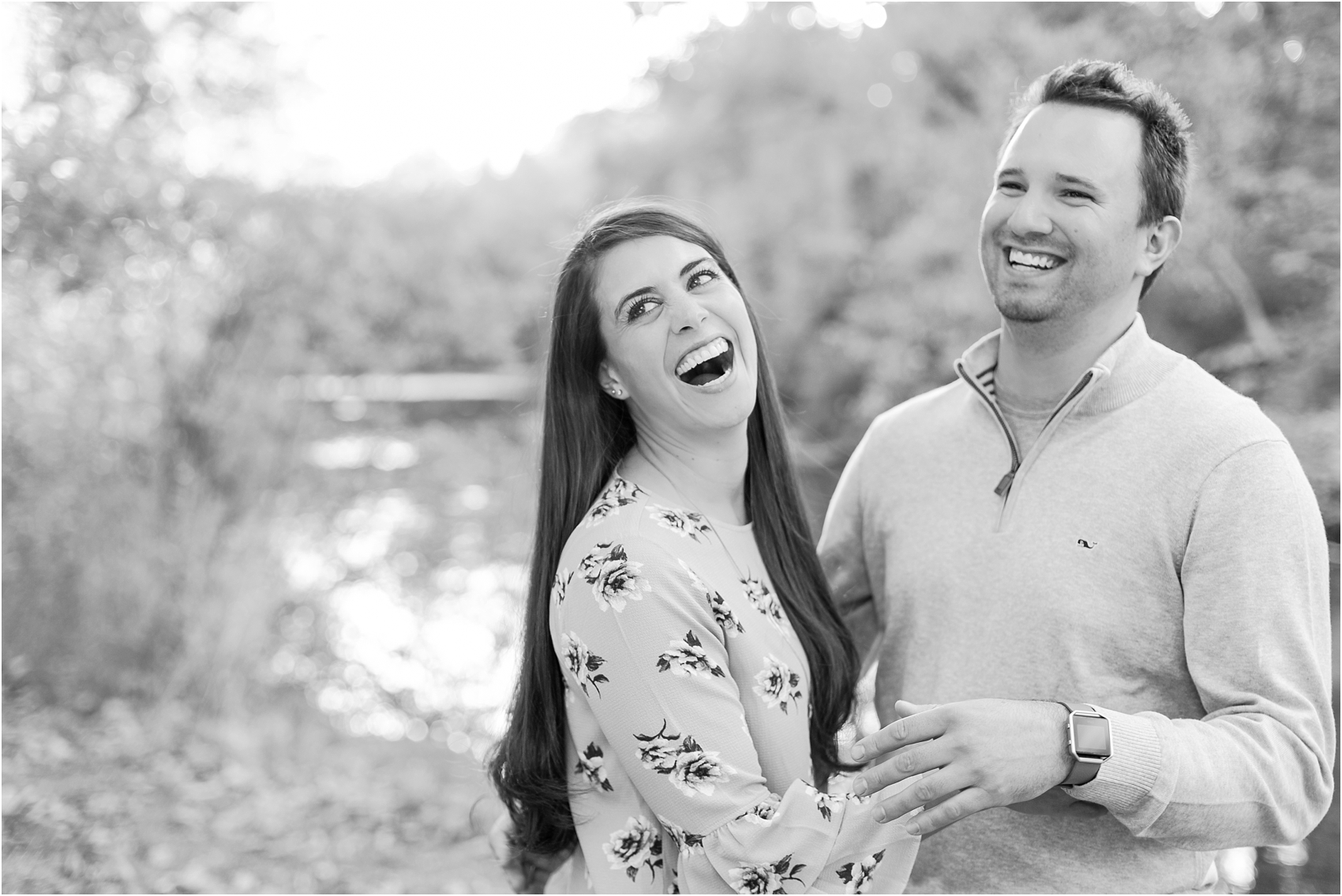 relaxed-autumn-engagement-photos-at-hudson-mills-metropark-in-dexter-mi-by-courtney-carolyn-photography_0039.jpg