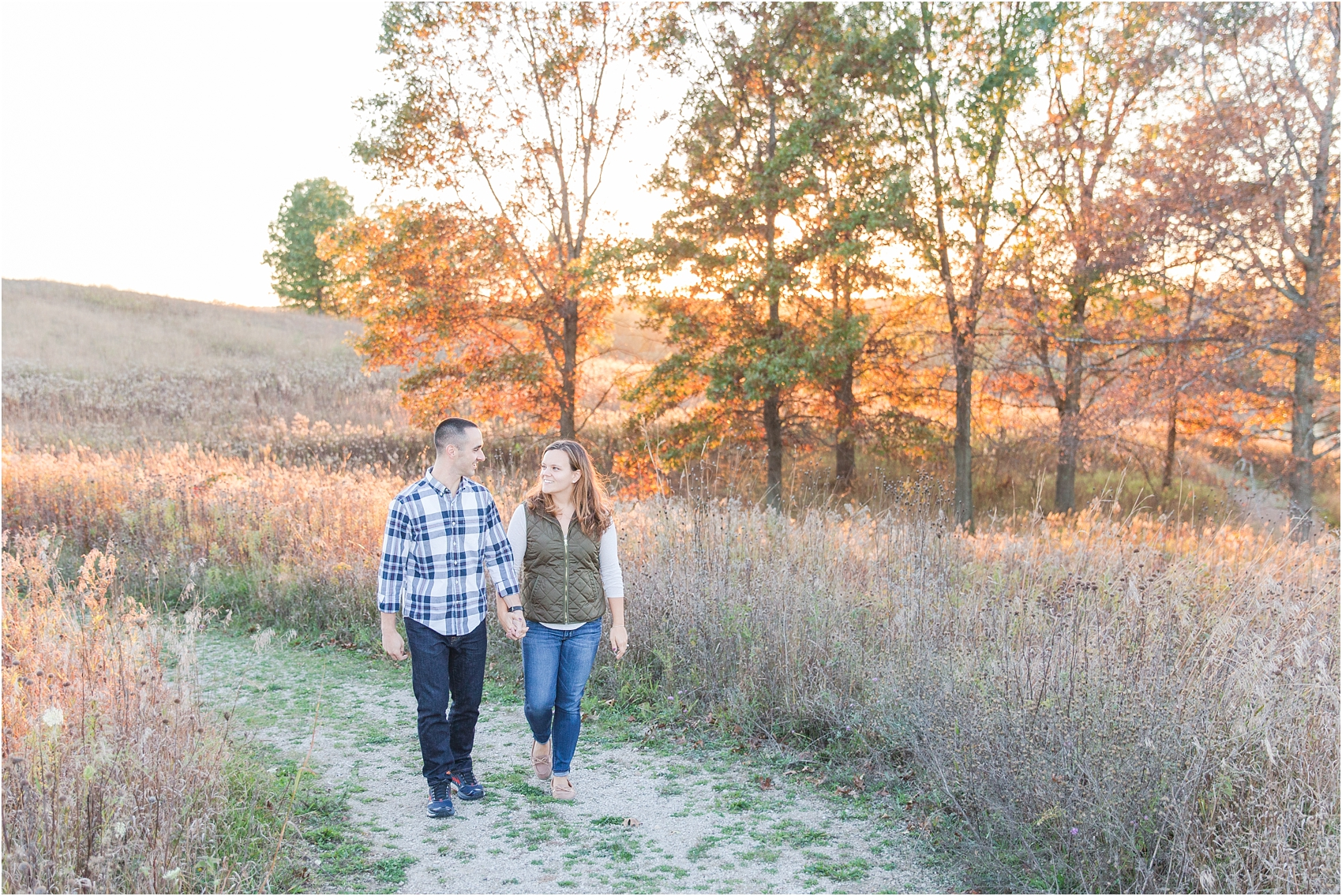 romantic-fall-engagement-photos-at-indian-springs-metropark-in-clarkston-mi-by-courtney-carolyn-photography_0012.jpg