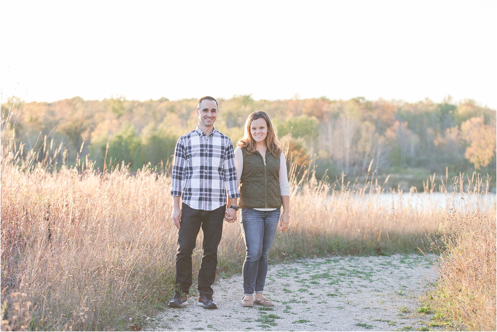 romantic-fall-engagement-photos-at-indian-springs-metropark-in-clarkston-mi-by-courtney-carolyn-photography_0020.jpg
