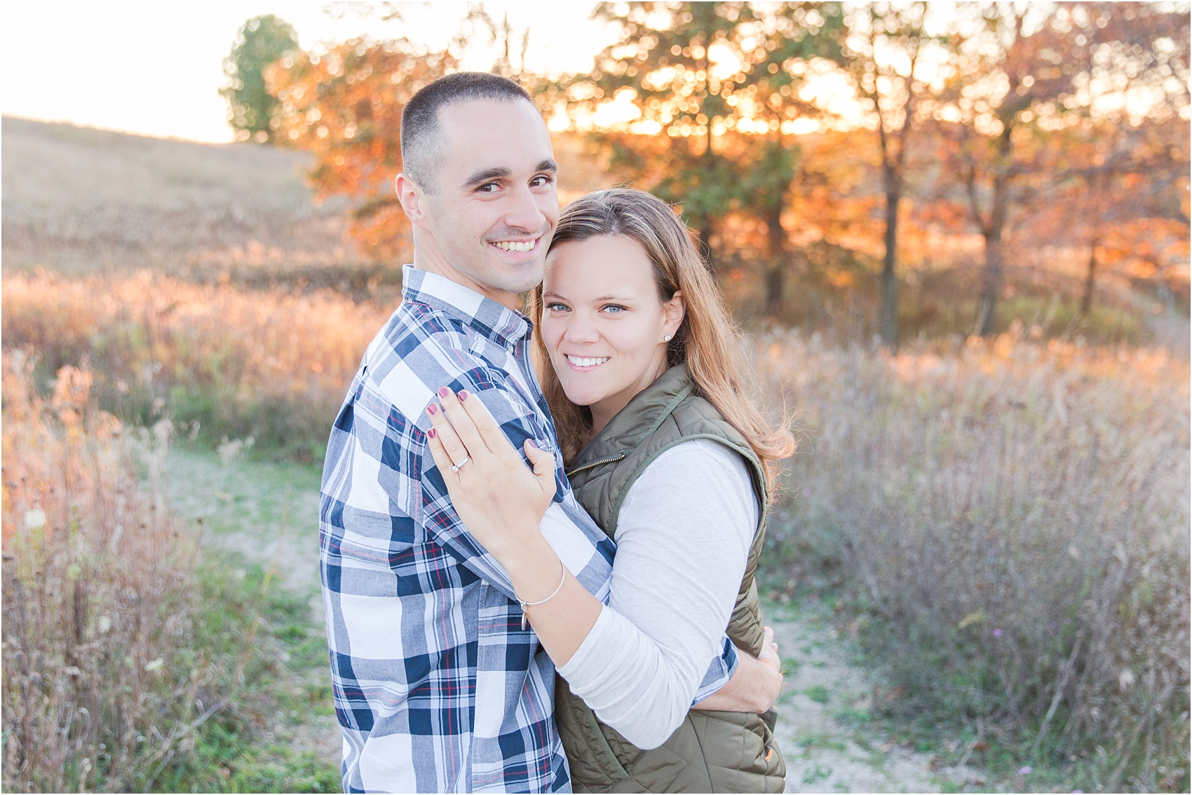 romantic-fall-engagement-photos-at-indian-springs-metropark-in-clarkston-mi-by-courtney-carolyn-photography_0031.jpg