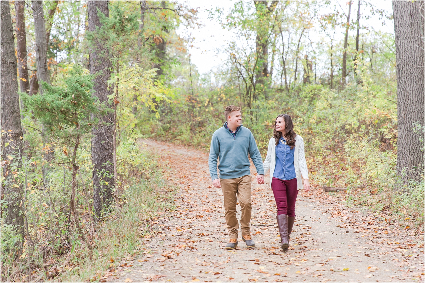 colorful-fall-engagement-photos-at-the-lake-at-huron-meadows-metropark-in-brighton-michigan-by-courtney-carolyn-photography_0026.jpg