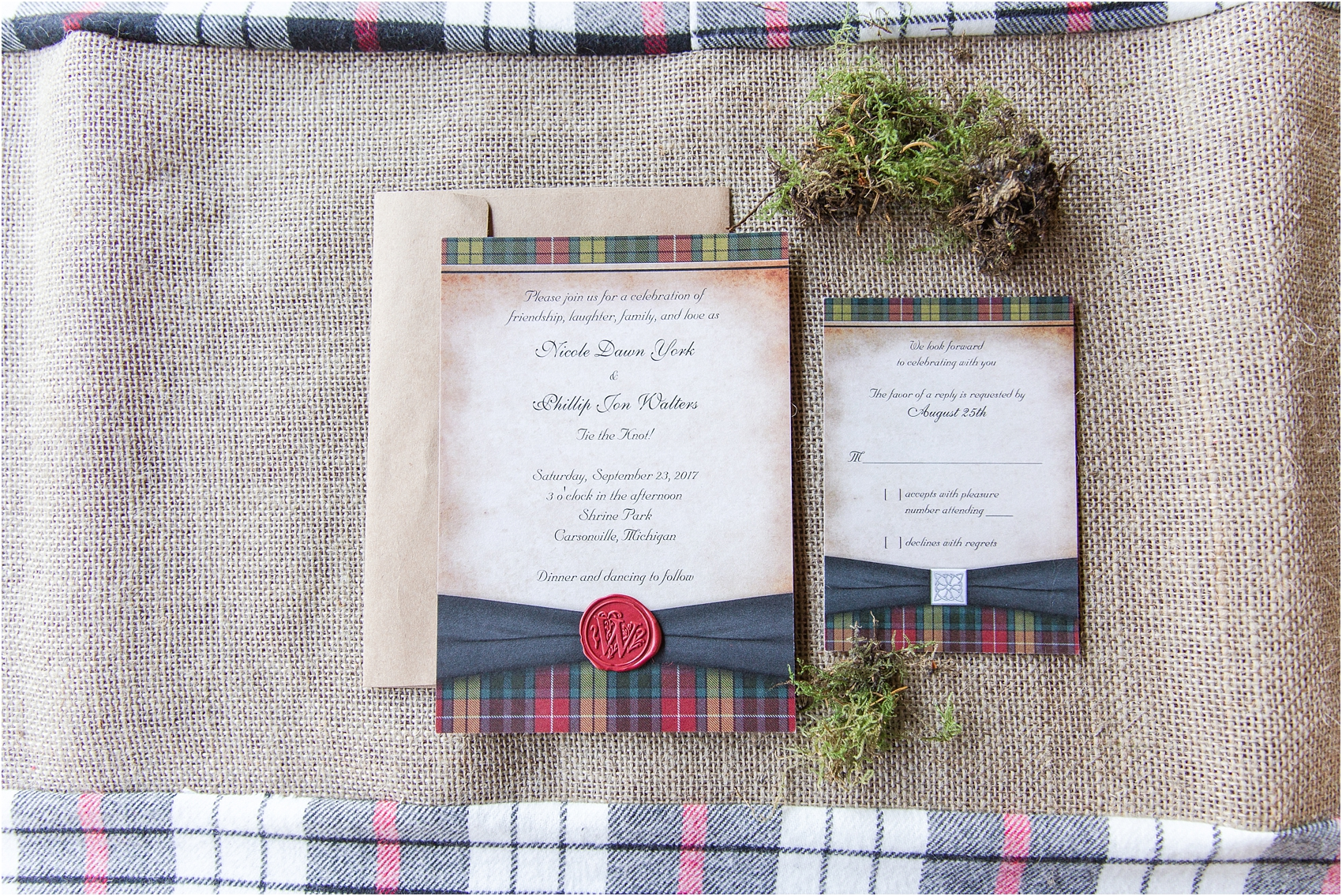 scottish-inspired-wedding-photos-in-the-country-in-port-sanilac-michigan-by-courtney-carolyn-photography_0004.jpg