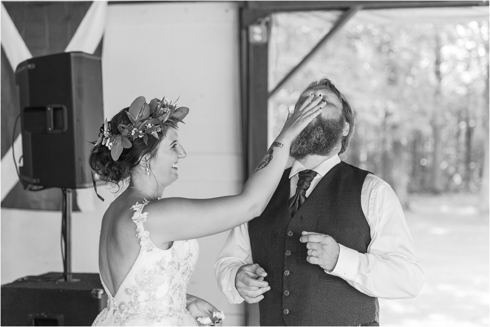 scottish-inspired-wedding-photos-in-the-country-in-port-sanilac-michigan-by-courtney-carolyn-photography_0041.jpg