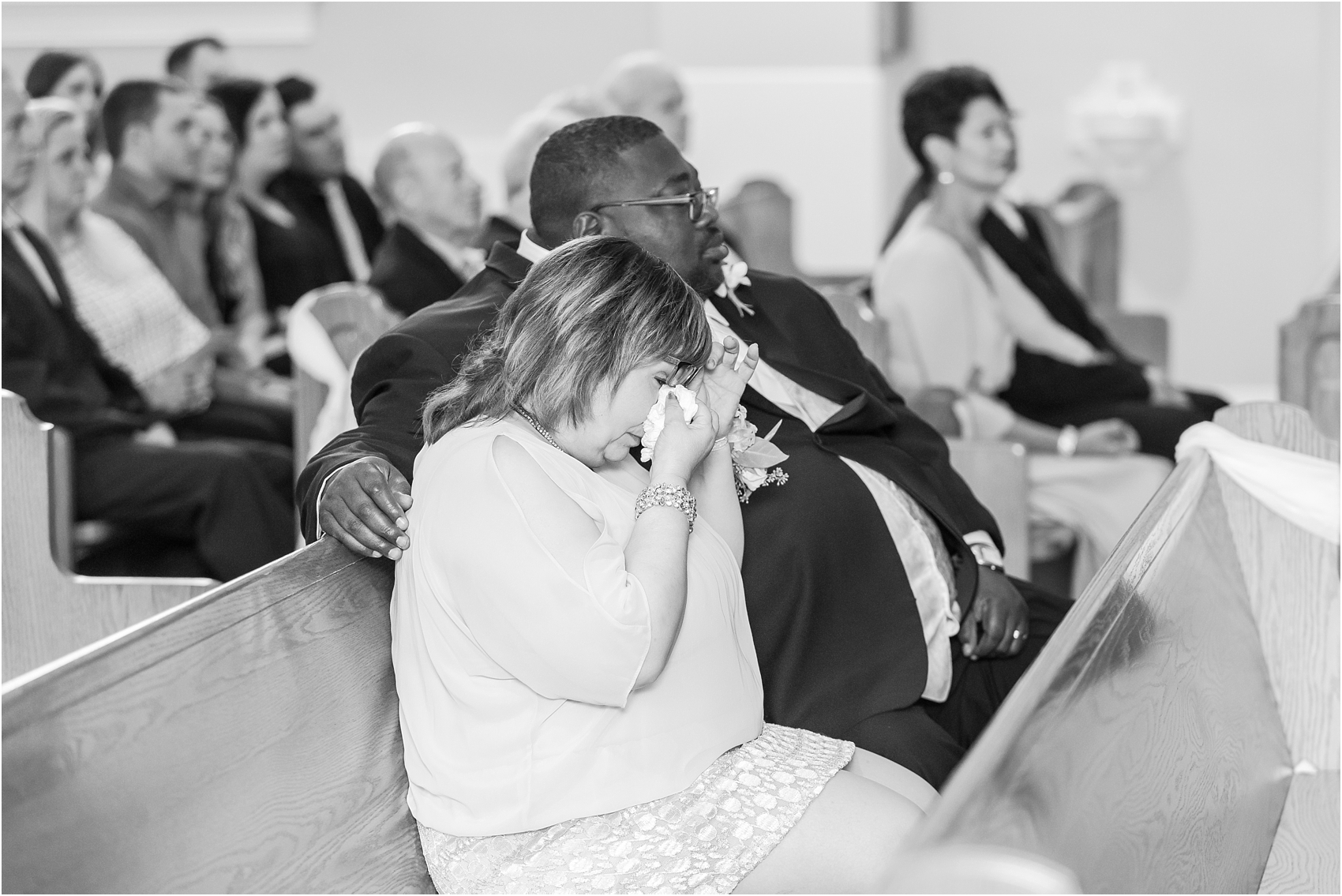 elegant-and-romantic-fall-wedding-photos-at-st-marys-catholic-church-in-monroe-michigan-by-courtney-carolyn-photography_0019.jpg