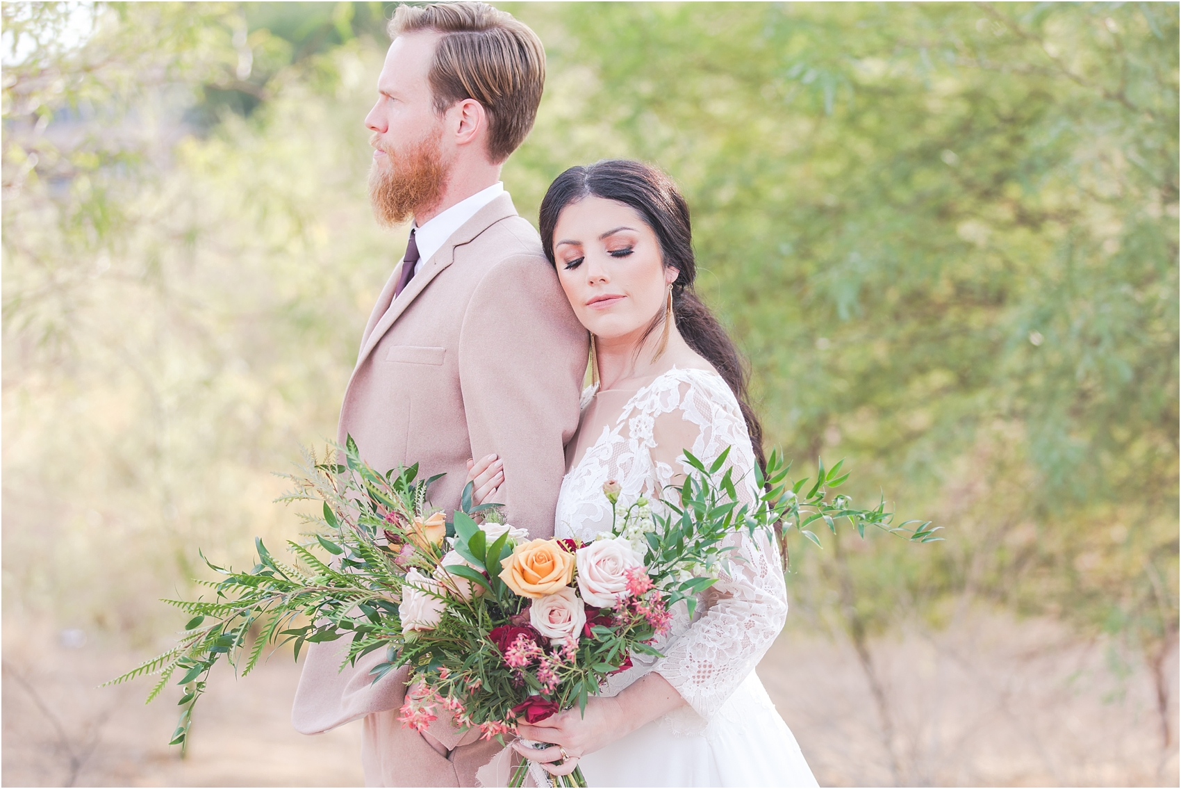 intimate-and-romantic-desert-wedding-photos-at-phoenix-marriott-tempe-at-the-buttes-in-tempe-arizona-by-courtney-carolyn-photography_0036.jpg