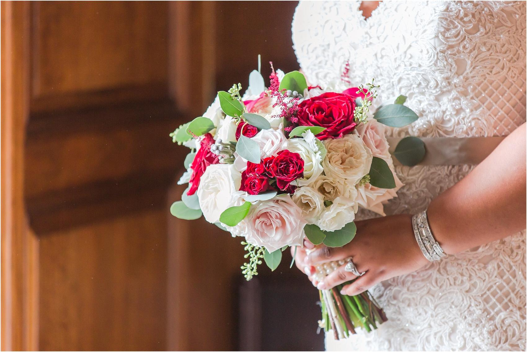 minimalist-and-modern-wedding-photos-at-30-north-saginaw-in-pontiac-michigan-by-courtney-carolyn-photography_0002.jpg