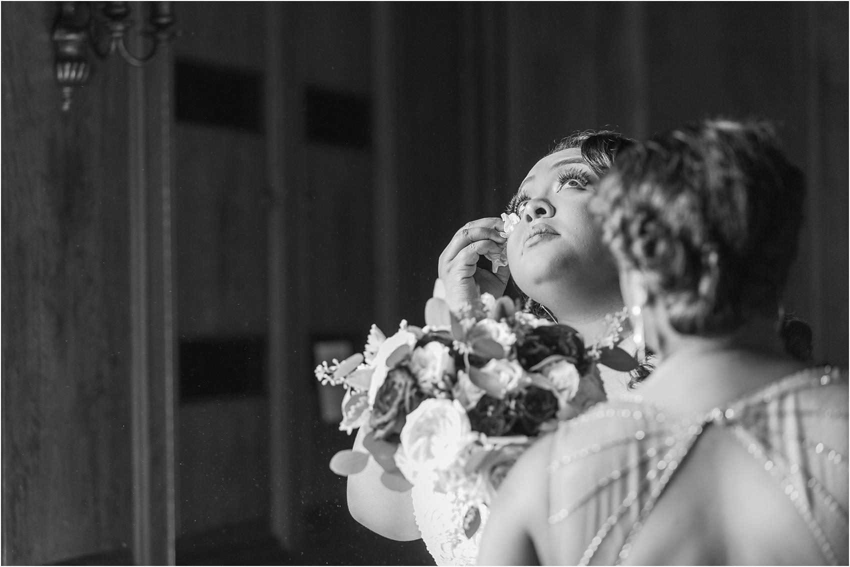 minimalist-and-modern-wedding-photos-at-30-north-saginaw-in-pontiac-michigan-by-courtney-carolyn-photography_0006.jpg