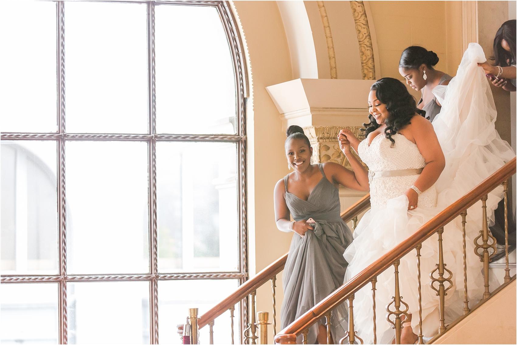 minimalist-and-modern-wedding-photos-at-30-north-saginaw-in-pontiac-michigan-by-courtney-carolyn-photography_0011.jpg
