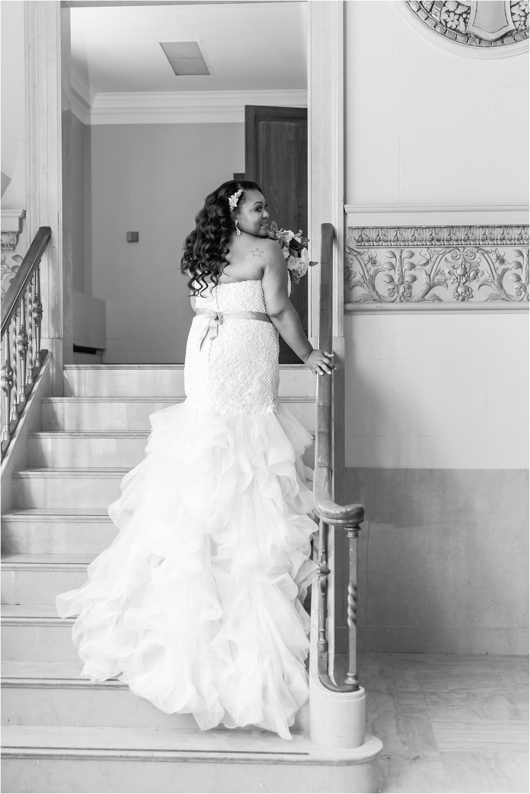 minimalist-and-modern-wedding-photos-at-30-north-saginaw-in-pontiac-michigan-by-courtney-carolyn-photography_0022.jpg