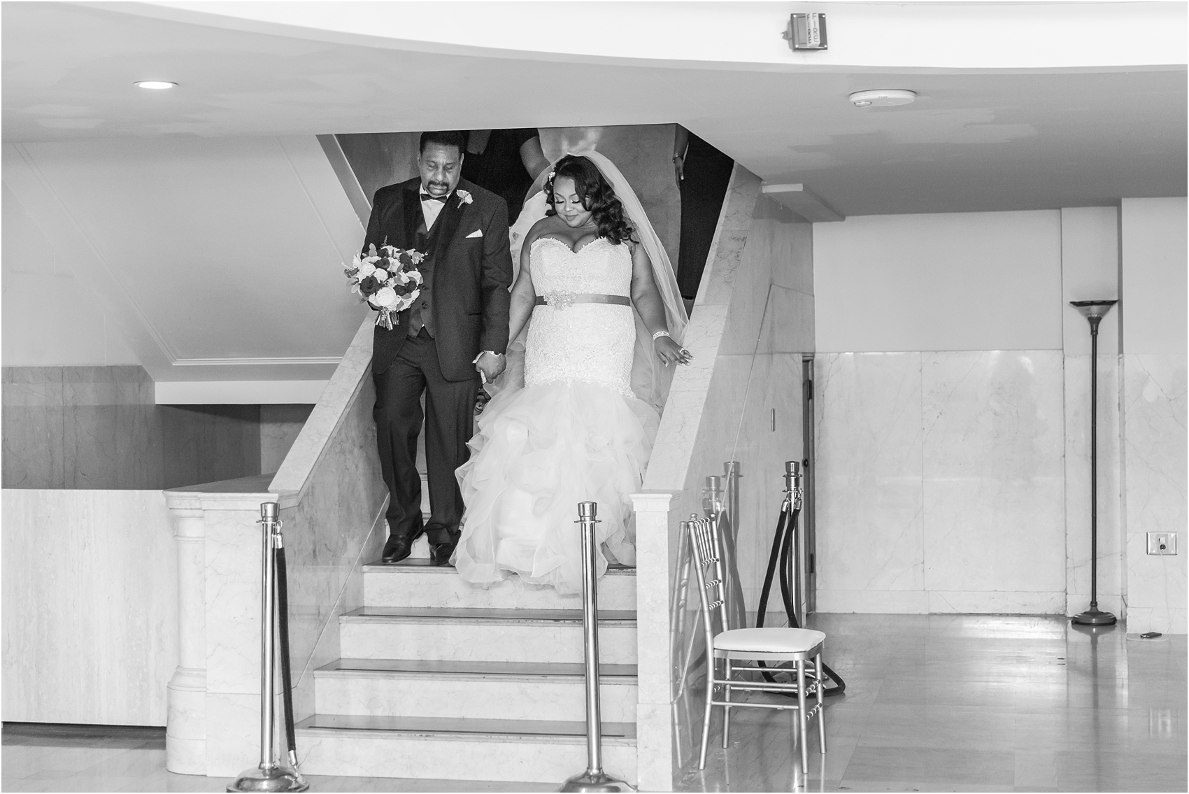 minimalist-and-modern-wedding-photos-at-30-north-saginaw-in-pontiac-michigan-by-courtney-carolyn-photography_0033.jpg