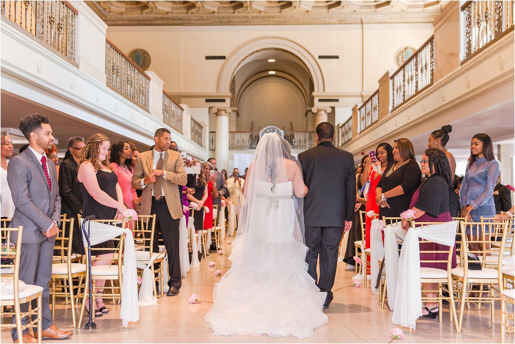 minimalist-and-modern-wedding-photos-at-30-north-saginaw-in-pontiac-michigan-by-courtney-carolyn-photography_0037.jpg