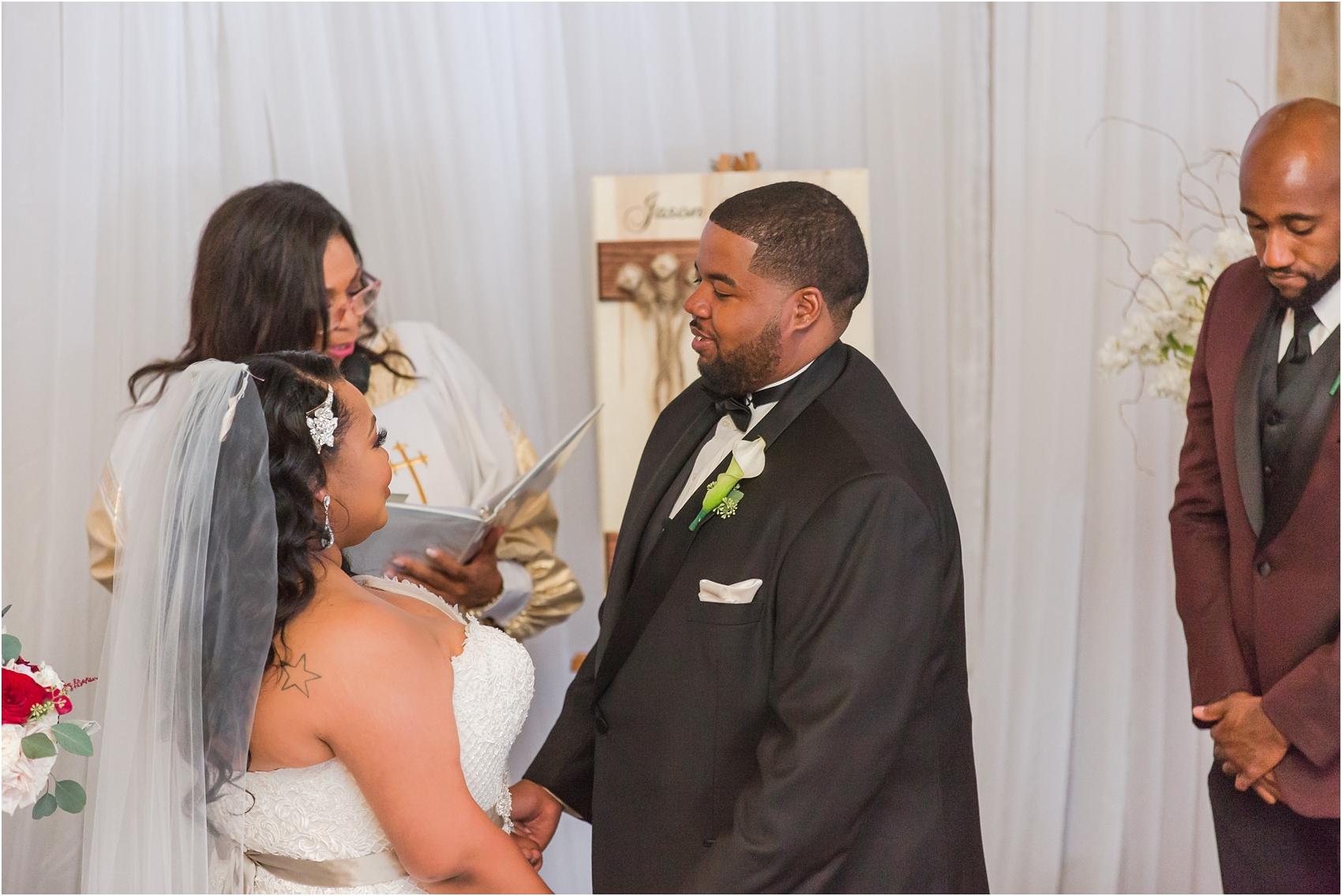 minimalist-and-modern-wedding-photos-at-30-north-saginaw-in-pontiac-michigan-by-courtney-carolyn-photography_0043.jpg