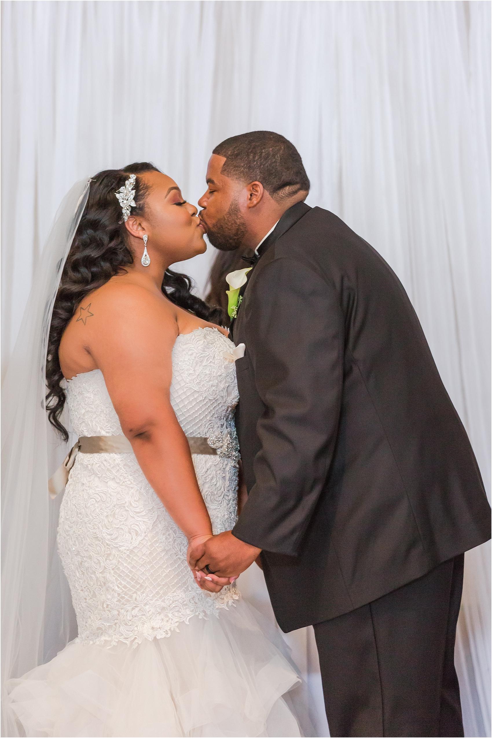 minimalist-and-modern-wedding-photos-at-30-north-saginaw-in-pontiac-michigan-by-courtney-carolyn-photography_0047.jpg
