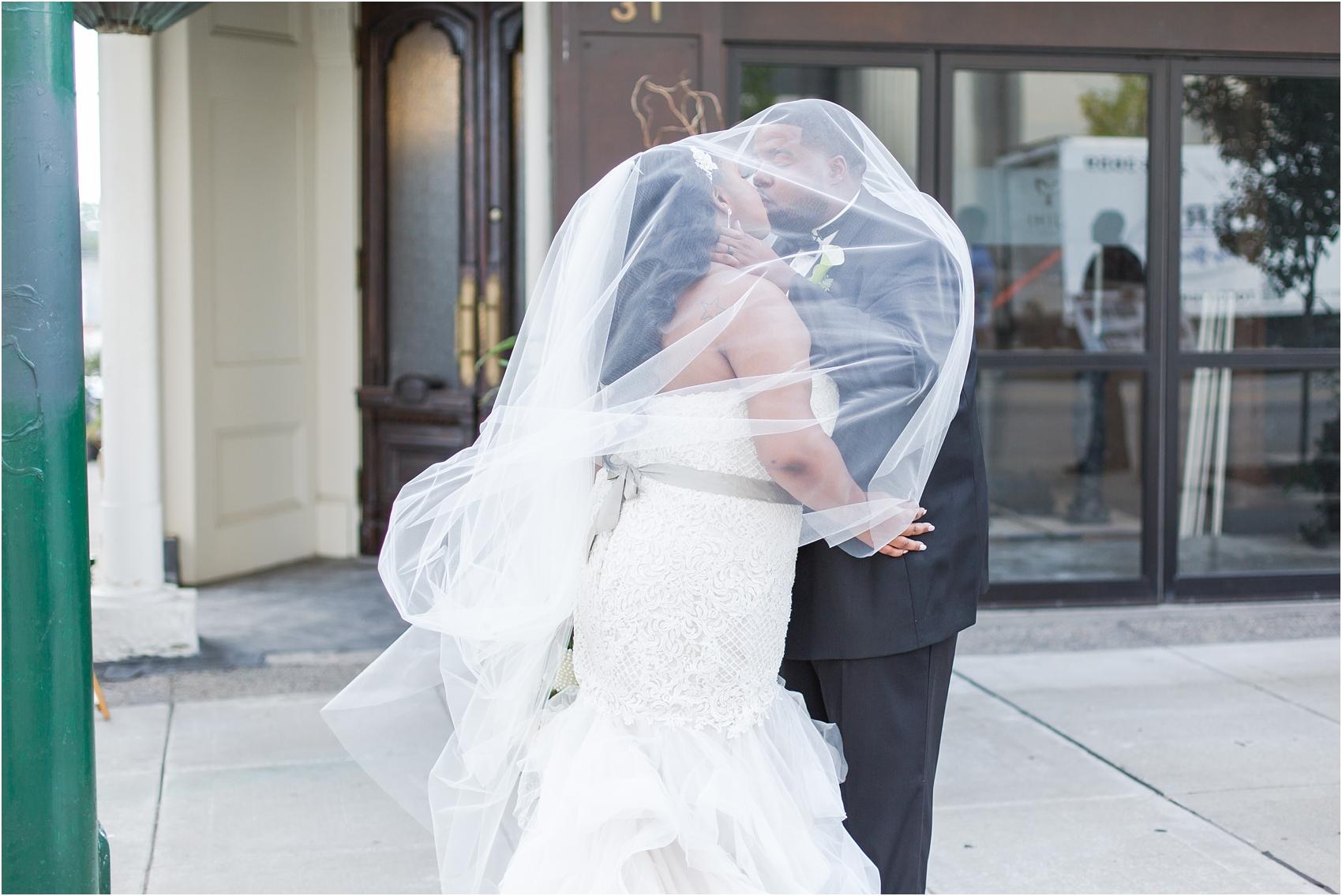 minimalist-and-modern-wedding-photos-at-30-north-saginaw-in-pontiac-michigan-by-courtney-carolyn-photography_0054.jpg