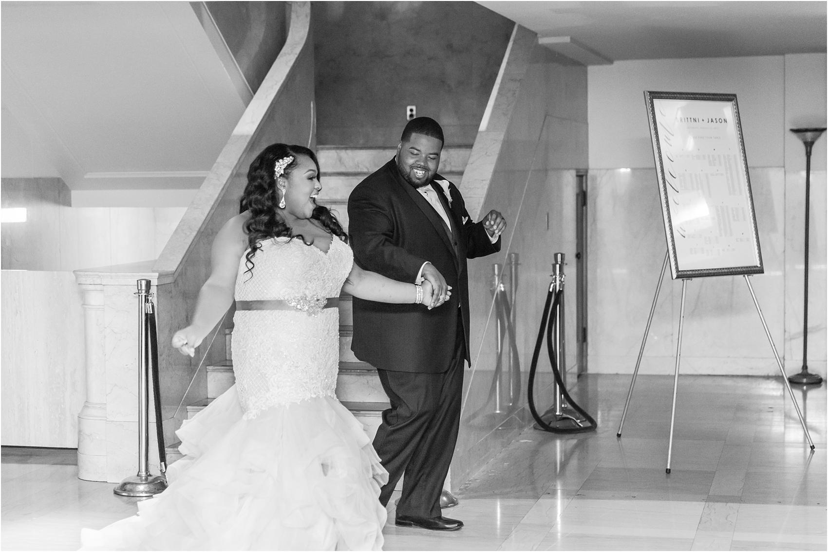 minimalist-and-modern-wedding-photos-at-30-north-saginaw-in-pontiac-michigan-by-courtney-carolyn-photography_0075.jpg
