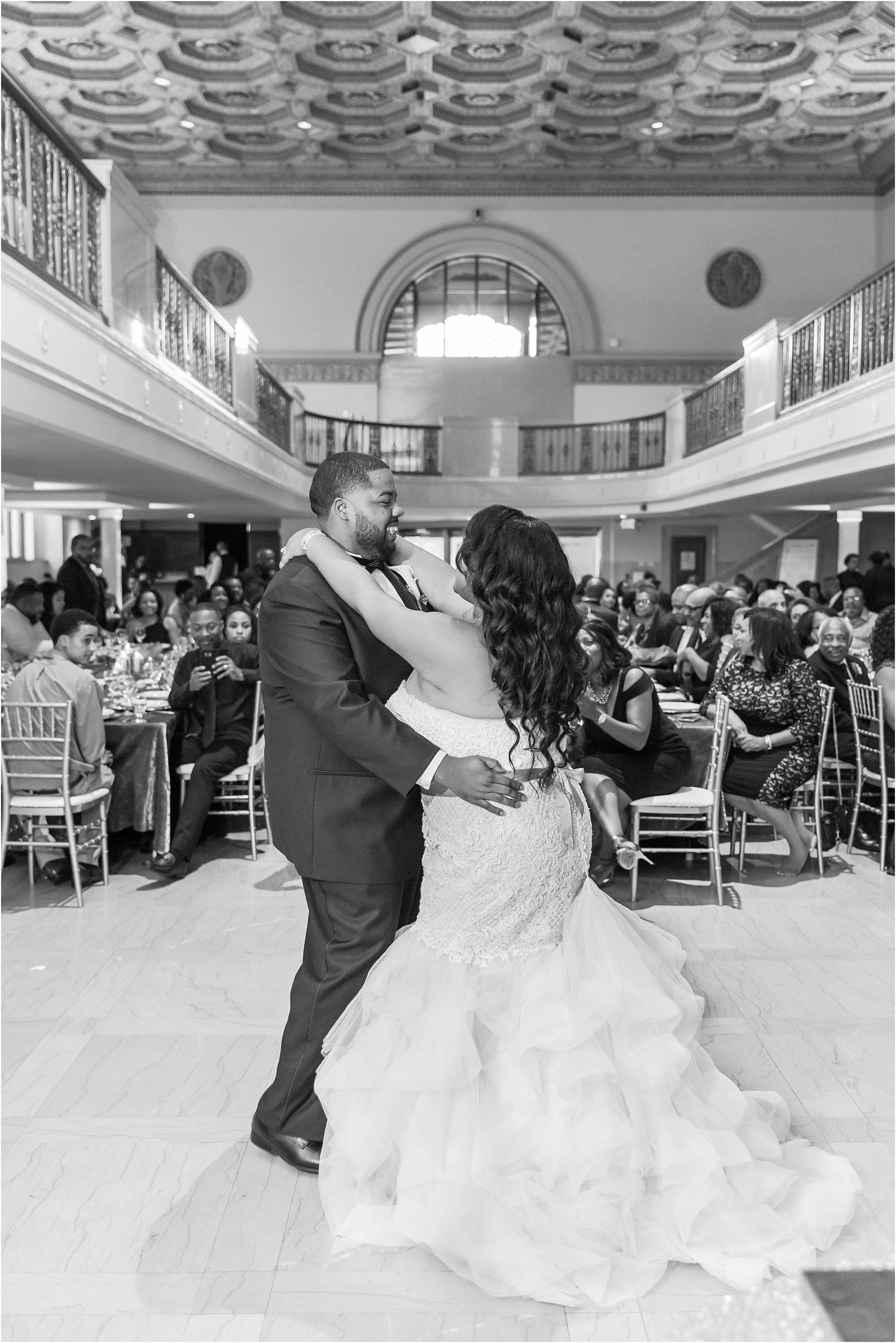 minimalist-and-modern-wedding-photos-at-30-north-saginaw-in-pontiac-michigan-by-courtney-carolyn-photography_0077.jpg