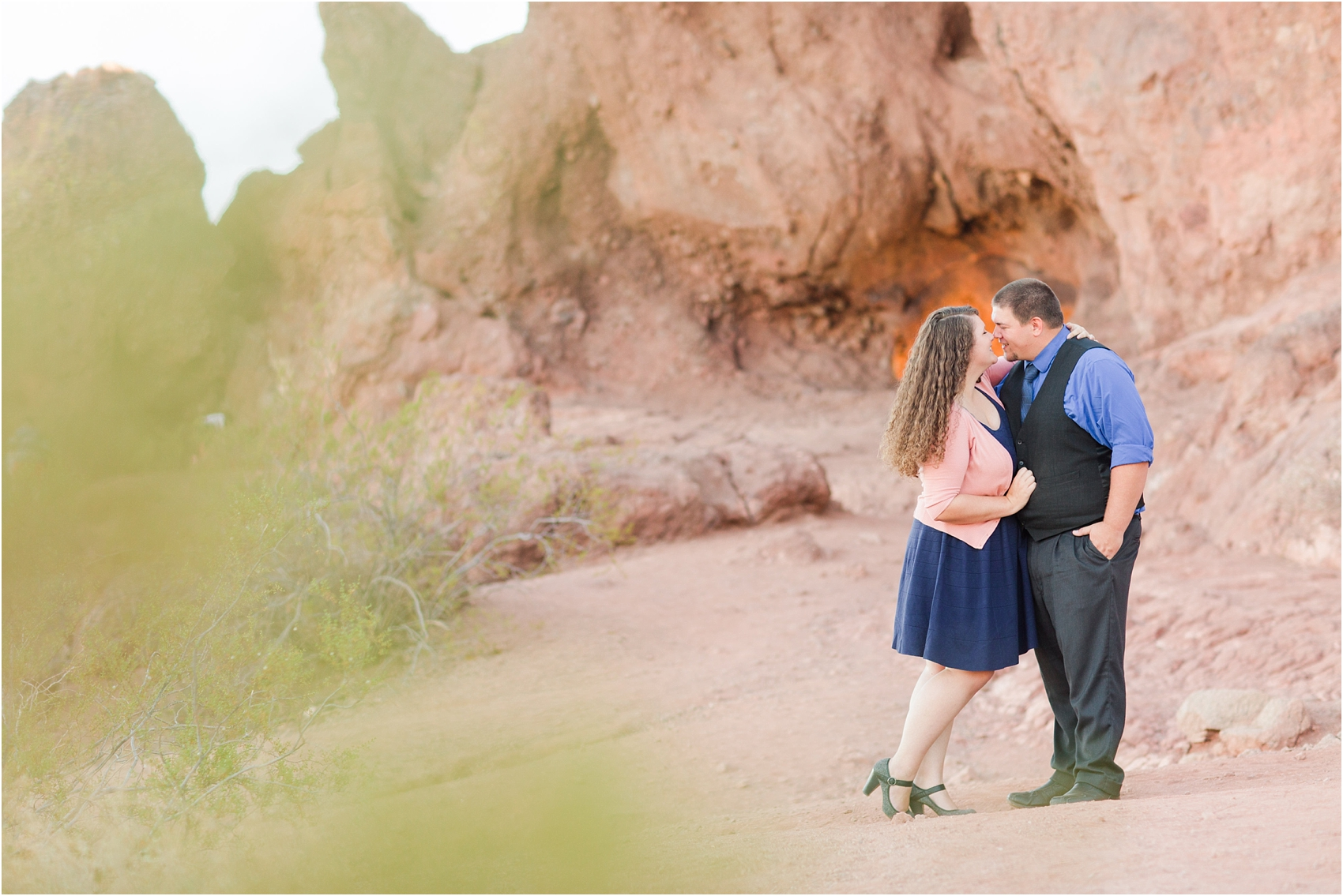 romantic-desert-engagement-photos-in-scottsdale-arizona-courtney-carolyn-photography-by-katelyn-james_0011.jpg