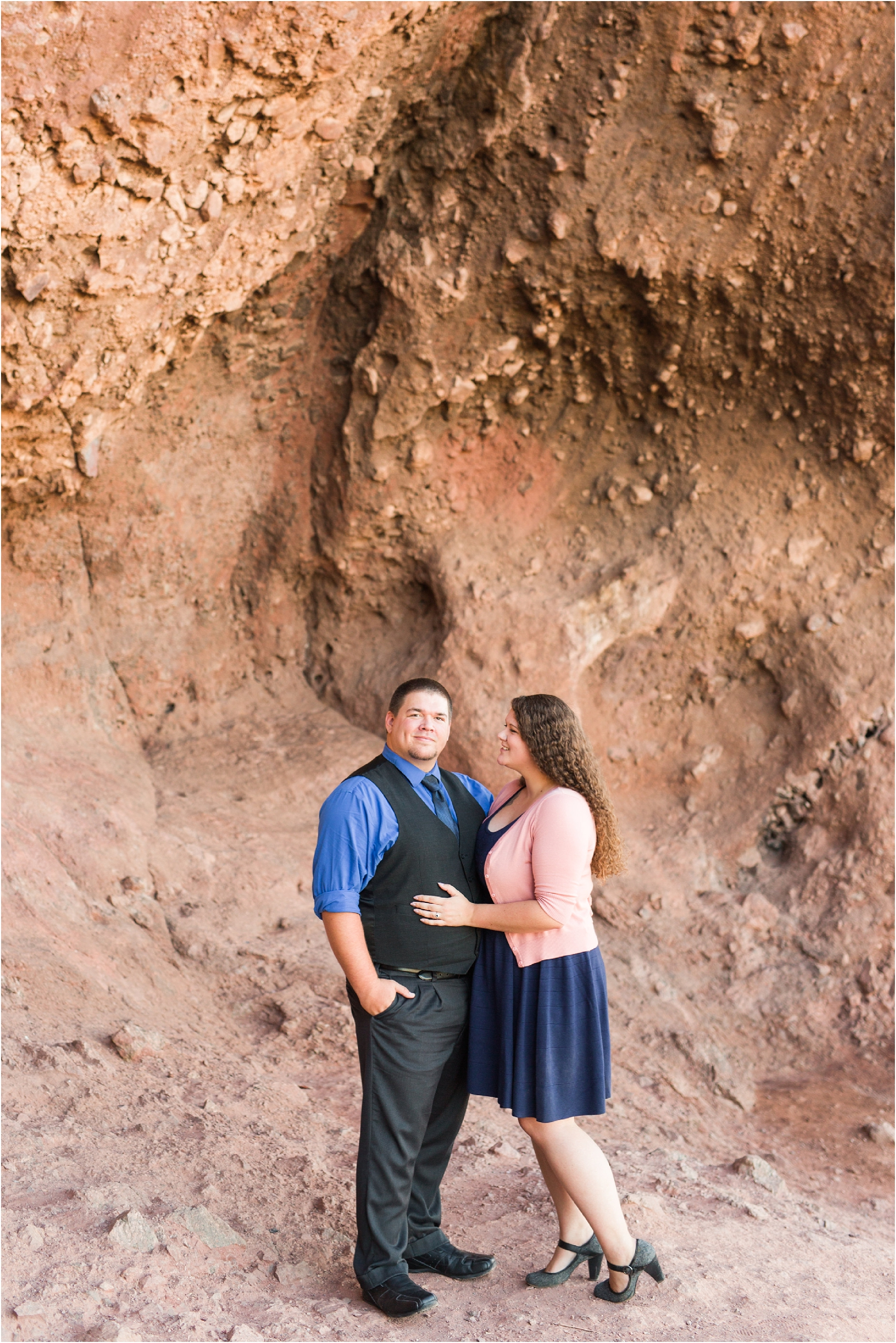 romantic-desert-engagement-photos-in-scottsdale-arizona-courtney-carolyn-photography-by-katelyn-james_0002.jpg