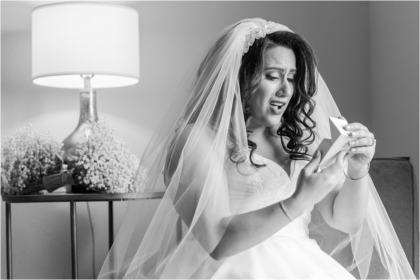 emotional-candid-romantic-wedding-photos-in-detroit-chicago-northern-michigan-by-courtney-carolyn-photography_0008.jpg