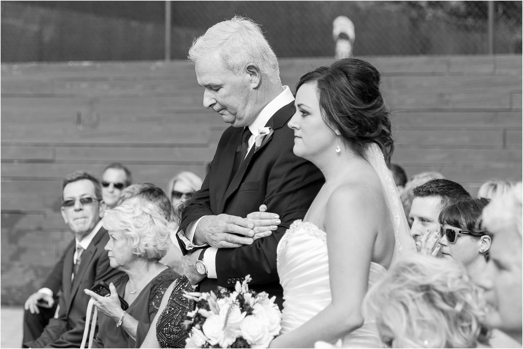 emotional-candid-romantic-wedding-photos-in-detroit-chicago-northern-michigan-by-courtney-carolyn-photography_0012.jpg