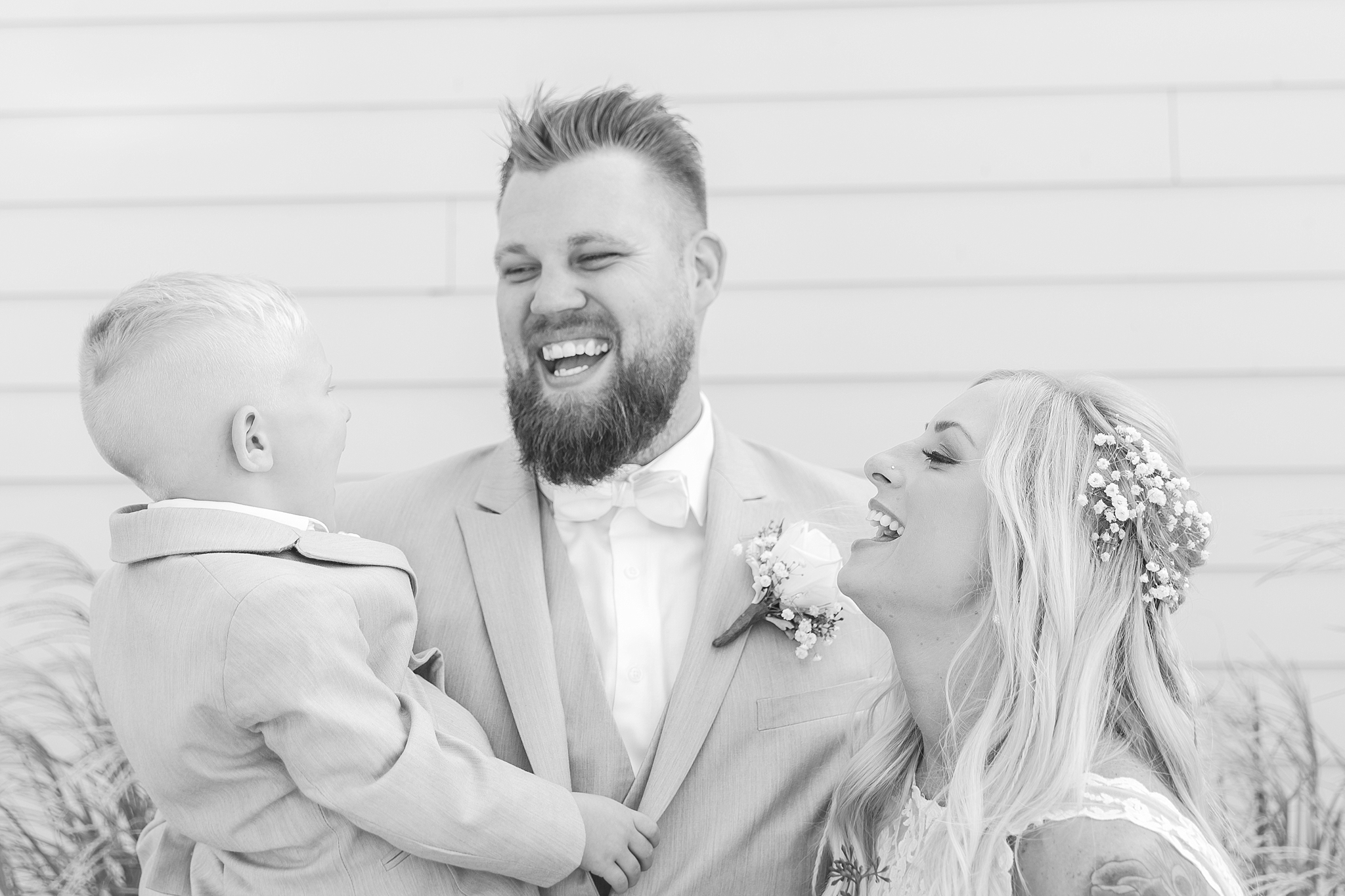 romantic-artful-candid-wedding-photos-in-detroit-lansing-ann-arbor-northern-michigan-and-chicago-by-courtney-carolyn-photography_0069.jpg