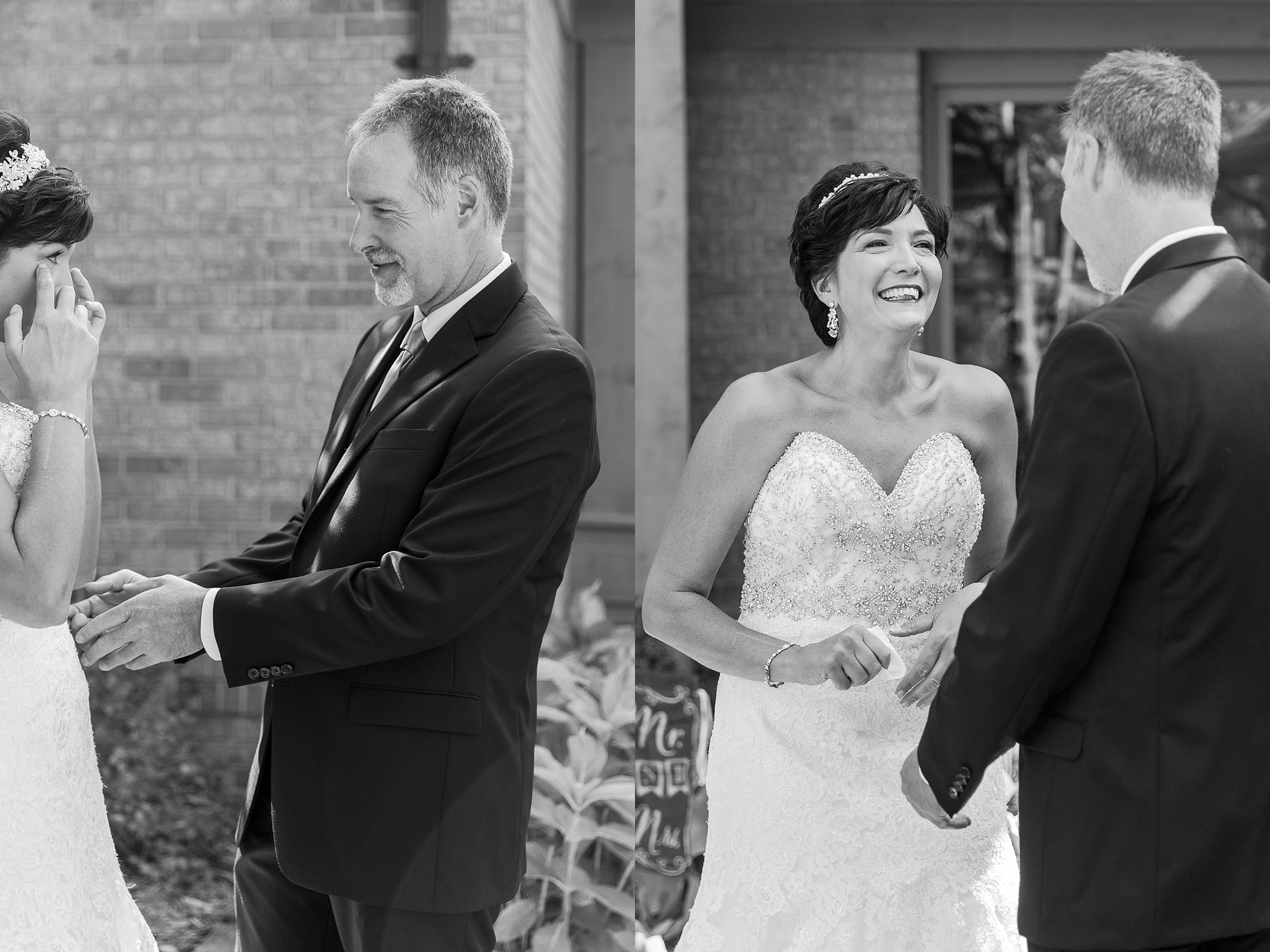 romantic-artful-candid-wedding-photos-in-detroit-lansing-ann-arbor-northern-michigan-and-chicago-by-courtney-carolyn-photography_0080.jpg