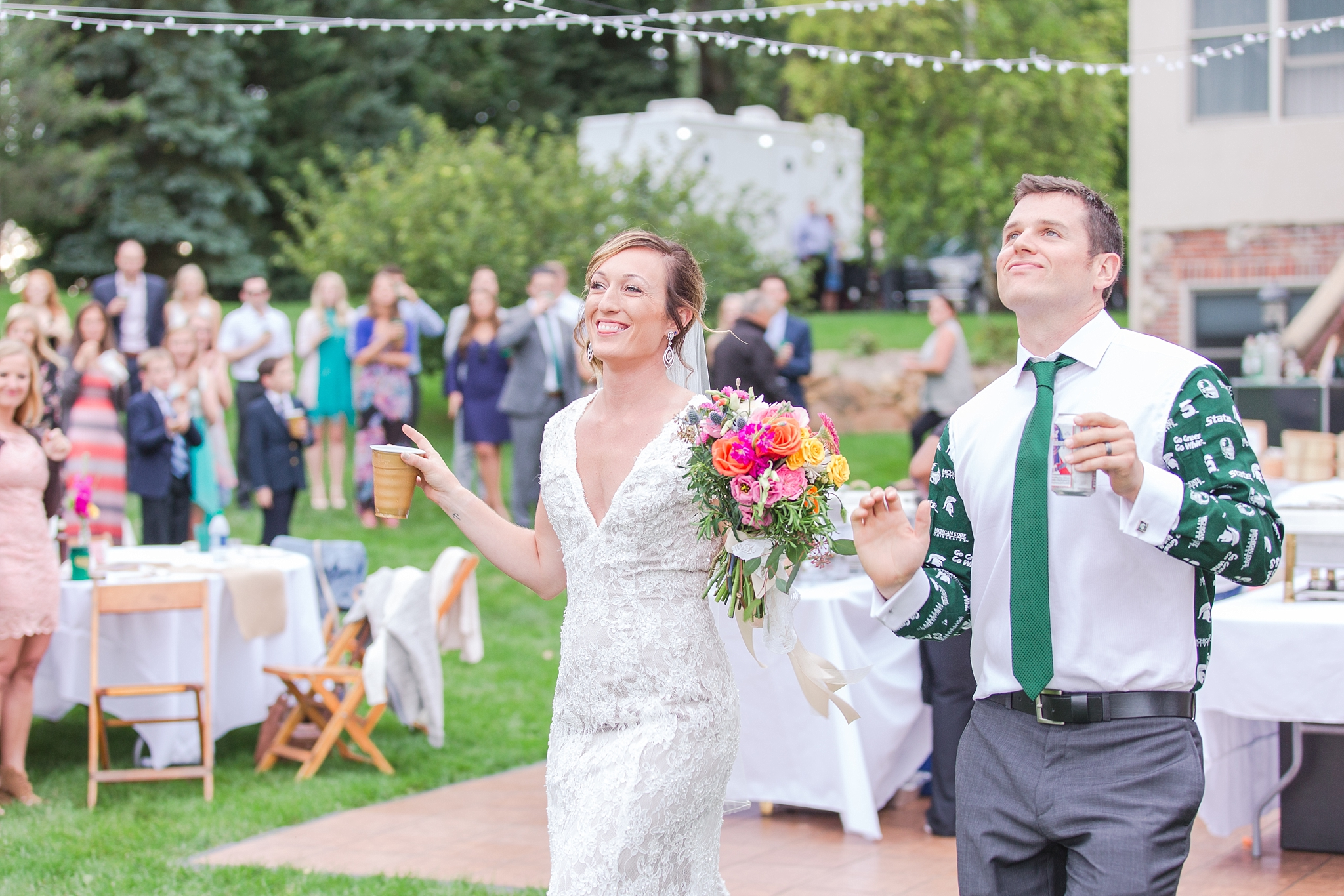 romantic-artful-candid-wedding-photos-in-detroit-lansing-ann-arbor-northern-michigan-and-chicago-by-courtney-carolyn-photography_0088.jpg