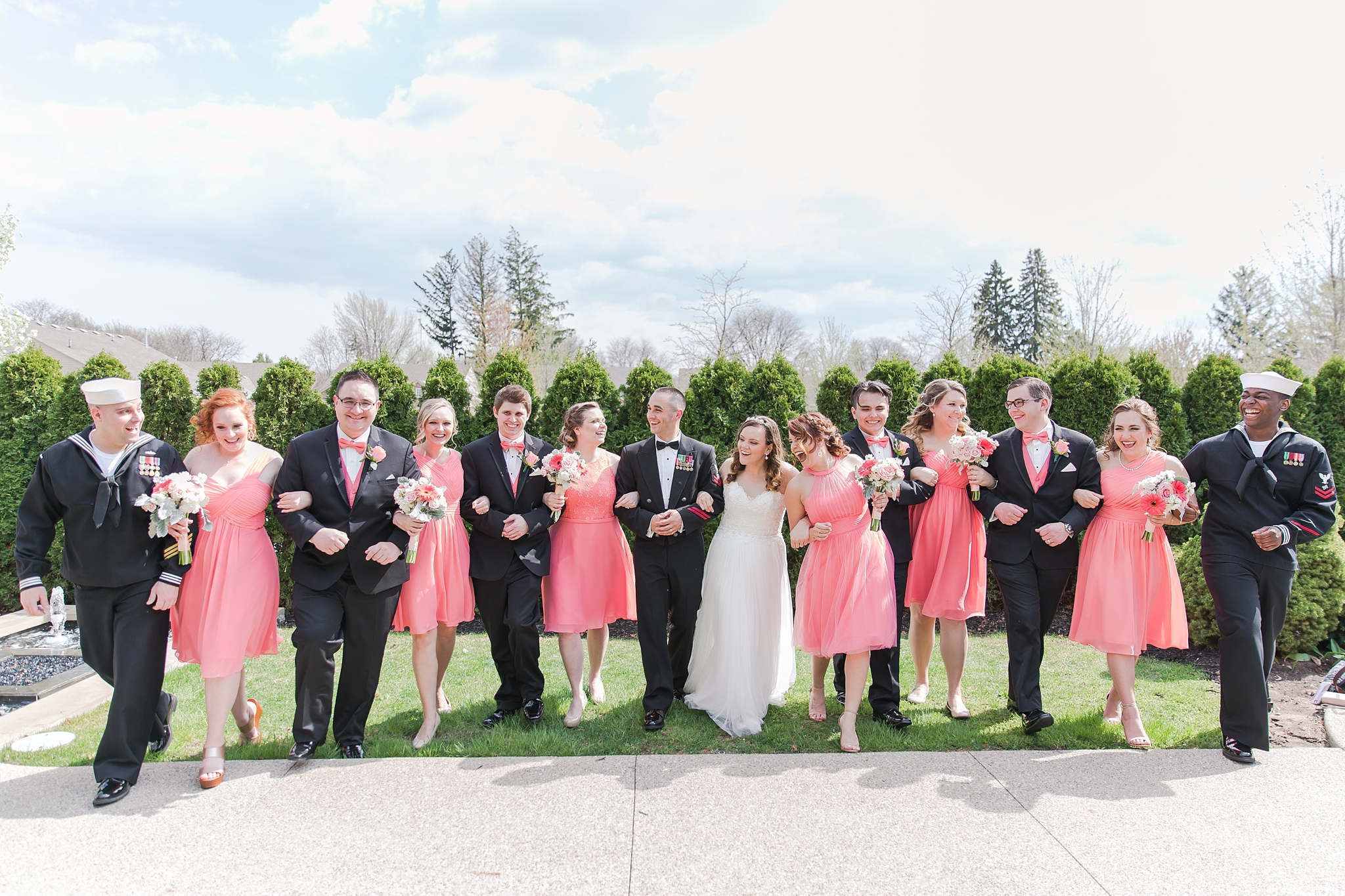 romantic-artful-candid-wedding-photos-in-st-clair-shores-at-the-white-house-wedding-chapel-by-courtney-carolyn-photography_0037.jpg