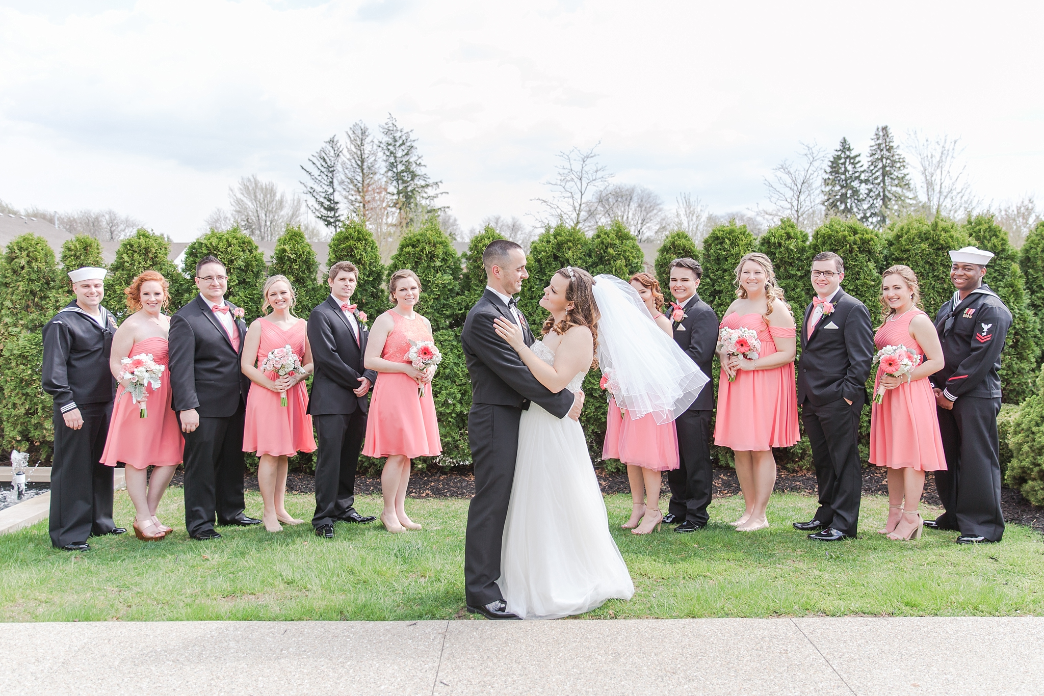 romantic-artful-candid-wedding-photos-in-st-clair-shores-at-the-white-house-wedding-chapel-by-courtney-carolyn-photography_0056.jpg