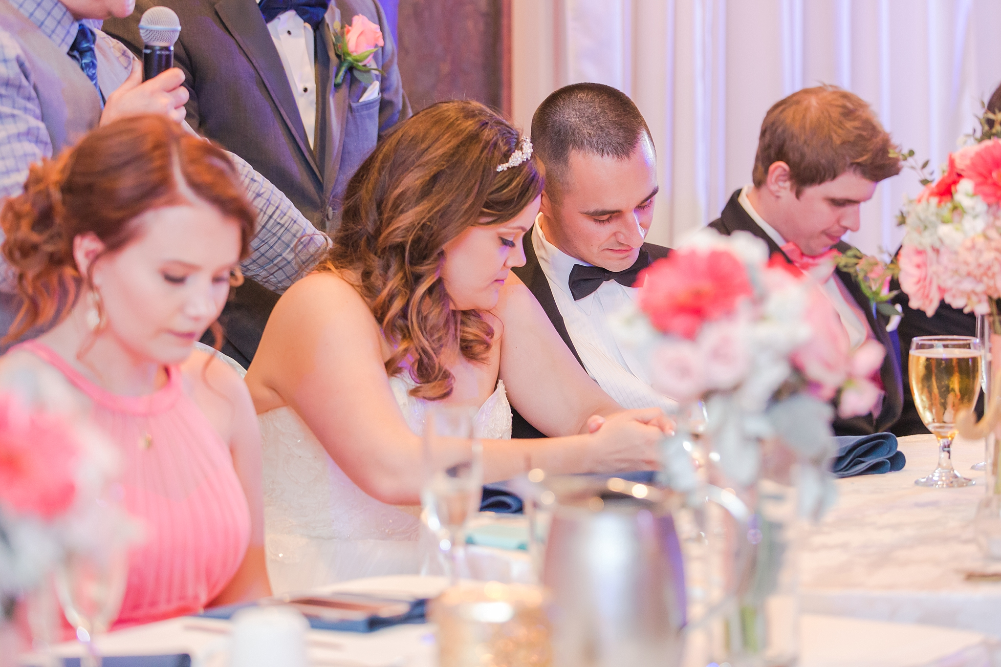 romantic-artful-candid-wedding-photos-in-st-clair-shores-at-the-white-house-wedding-chapel-by-courtney-carolyn-photography_0073.jpg