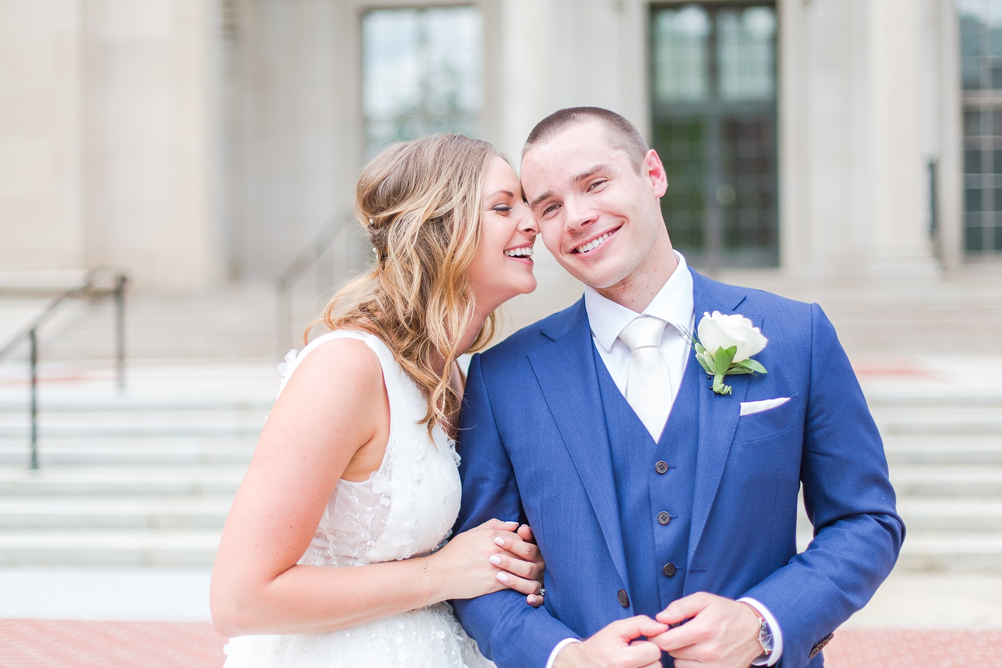 joyful-candid-laid-back-wedding-photos-in-ann-arbor-michigan-and-at-the-eagle-crest-golf-resort-by-courtney-carolyn-photography_0040.jpg