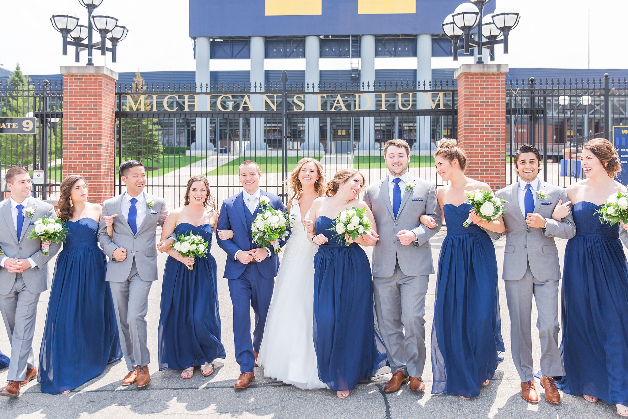 joyful-candid-laid-back-wedding-photos-in-ann-arbor-michigan-and-at-the-eagle-crest-golf-resort-by-courtney-carolyn-photography_0042.jpg
