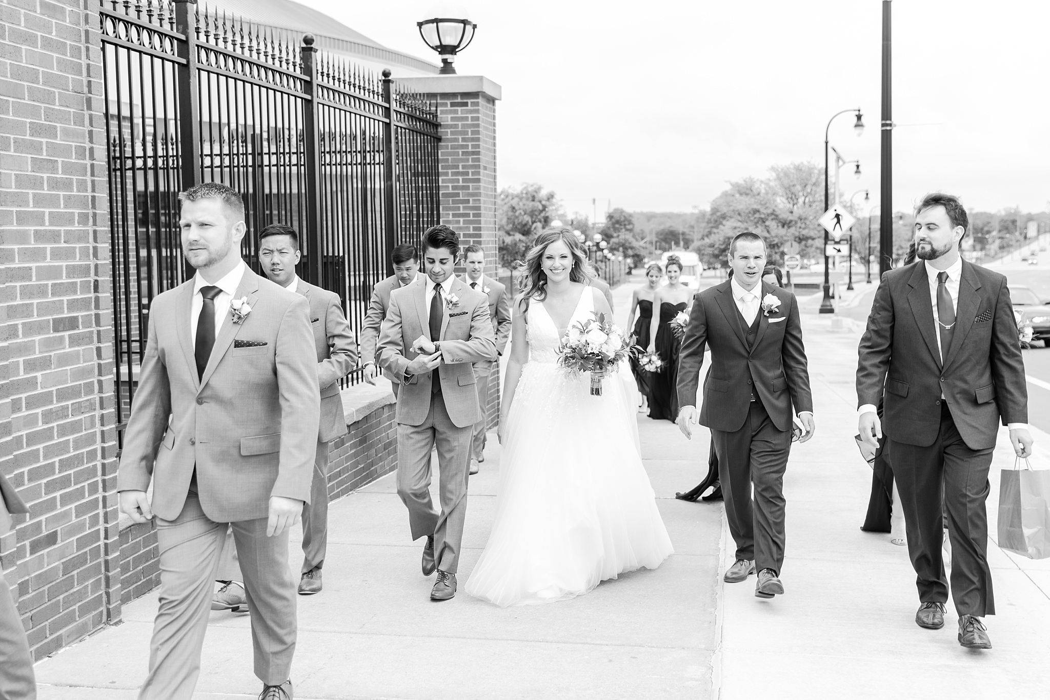 joyful-candid-laid-back-wedding-photos-in-ann-arbor-michigan-and-at-the-eagle-crest-golf-resort-by-courtney-carolyn-photography_0049.jpg