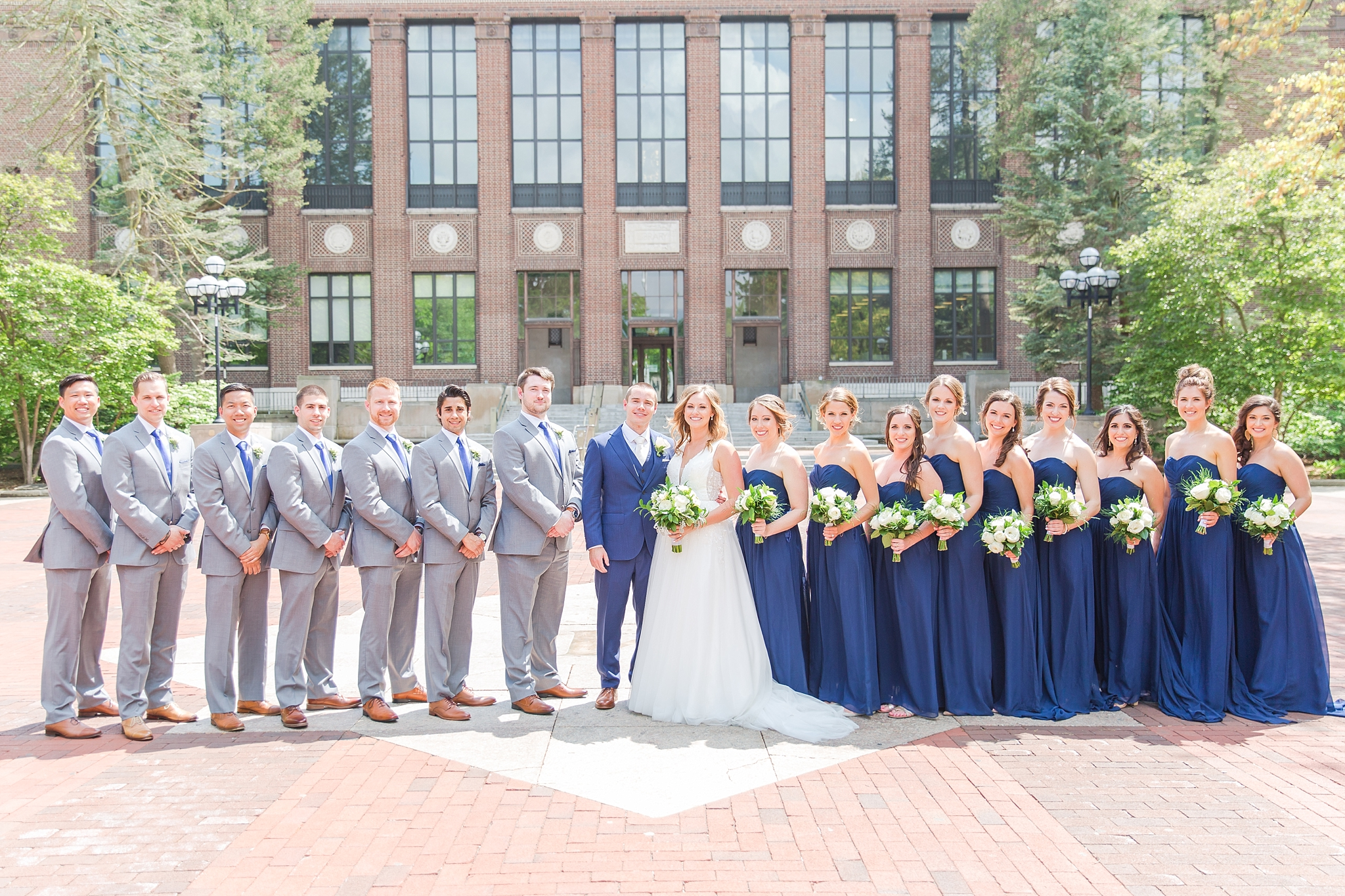 joyful-candid-laid-back-wedding-photos-in-ann-arbor-michigan-and-at-the-eagle-crest-golf-resort-by-courtney-carolyn-photography_0053.jpg