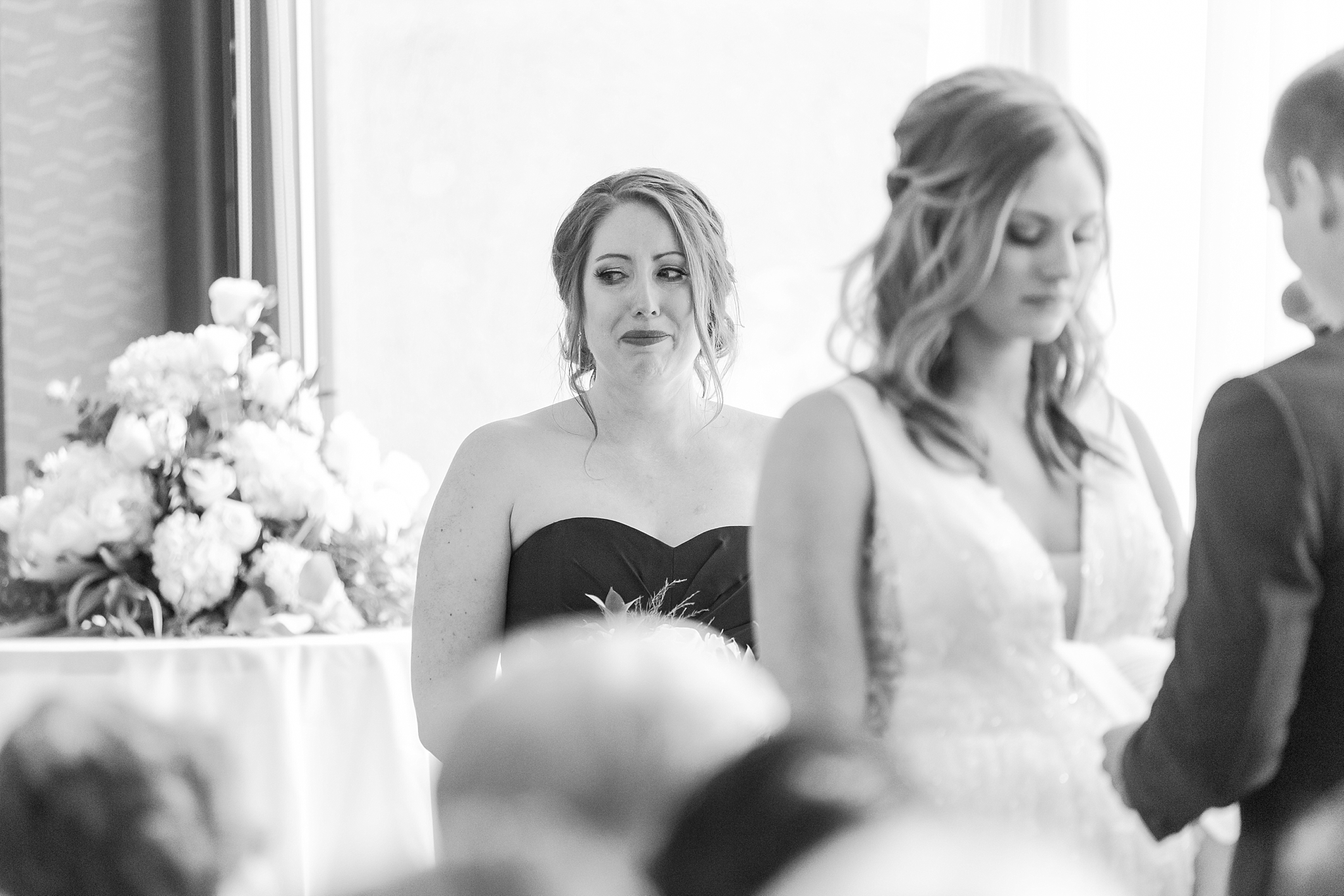 joyful-candid-laid-back-wedding-photos-in-ann-arbor-michigan-and-at-the-eagle-crest-golf-resort-by-courtney-carolyn-photography_0079.jpg