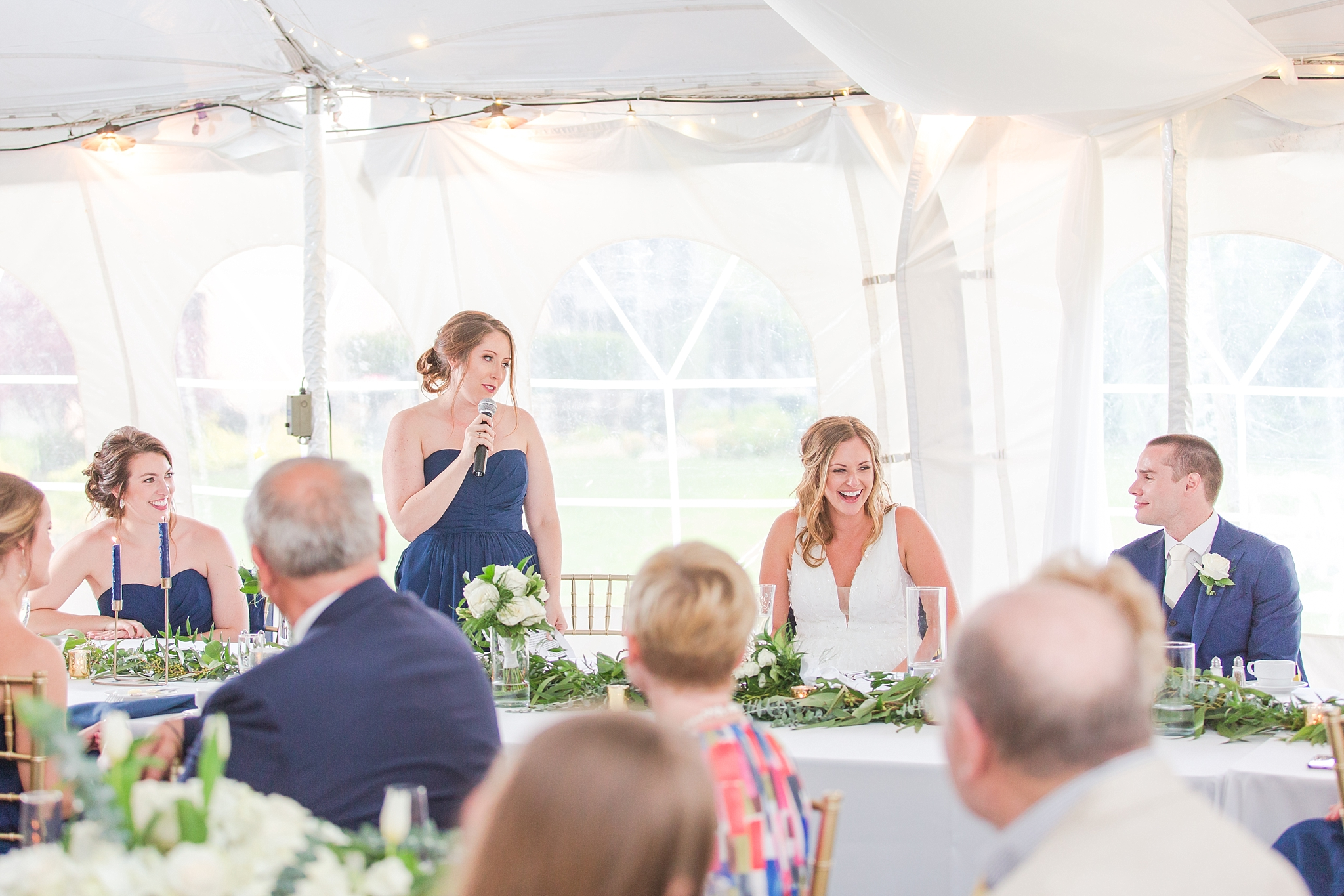 joyful-candid-laid-back-wedding-photos-in-ann-arbor-michigan-and-at-the-eagle-crest-golf-resort-by-courtney-carolyn-photography_0090.jpg