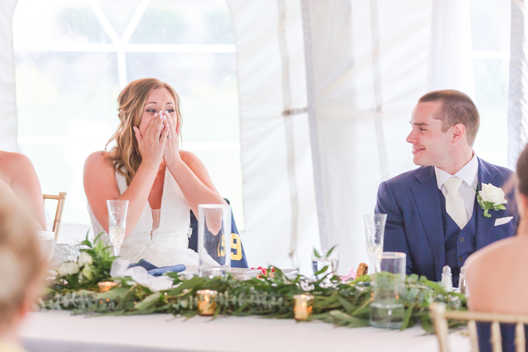 joyful-candid-laid-back-wedding-photos-in-ann-arbor-michigan-and-at-the-eagle-crest-golf-resort-by-courtney-carolyn-photography_0106.jpg
